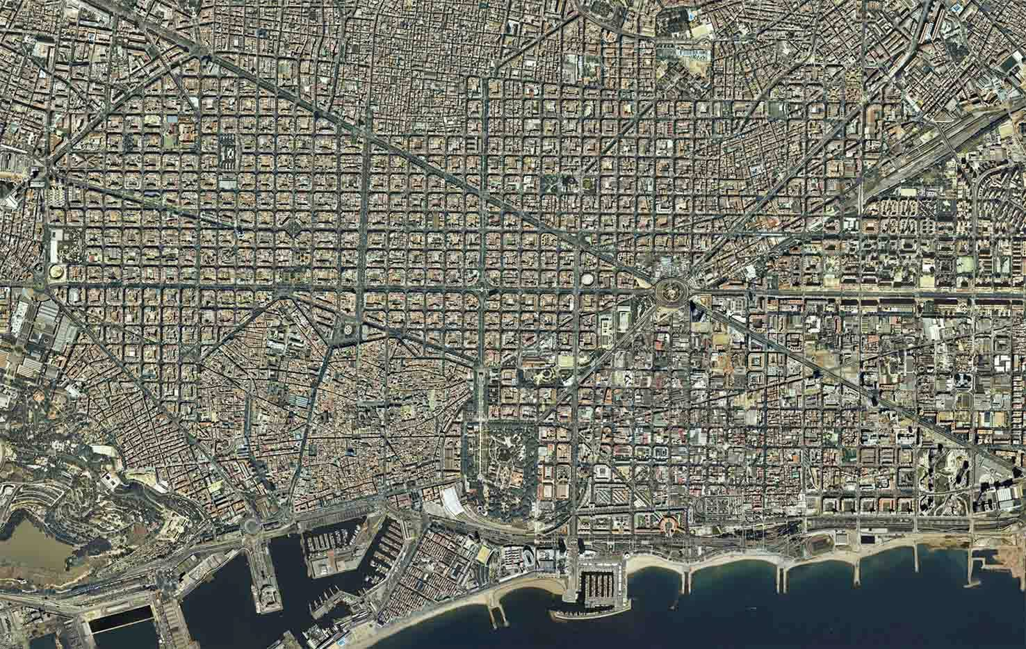 Satellite map of downtown Barcelona 2004