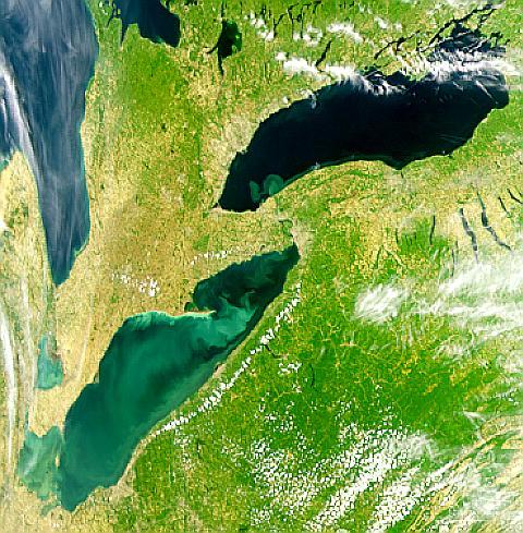 Agua del lago Erie en Ontario