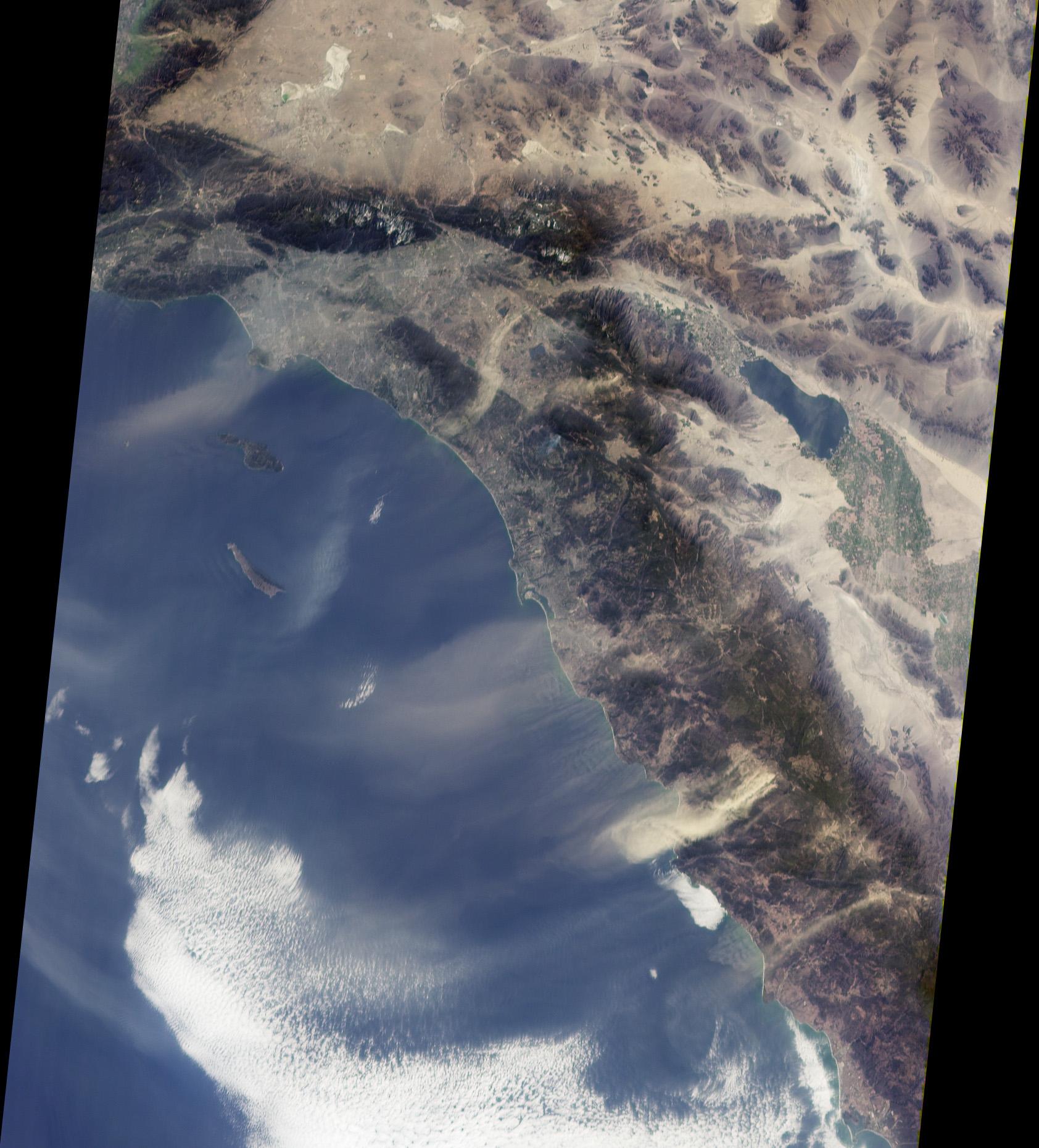 Cielo polvoriento encima de California Meridional