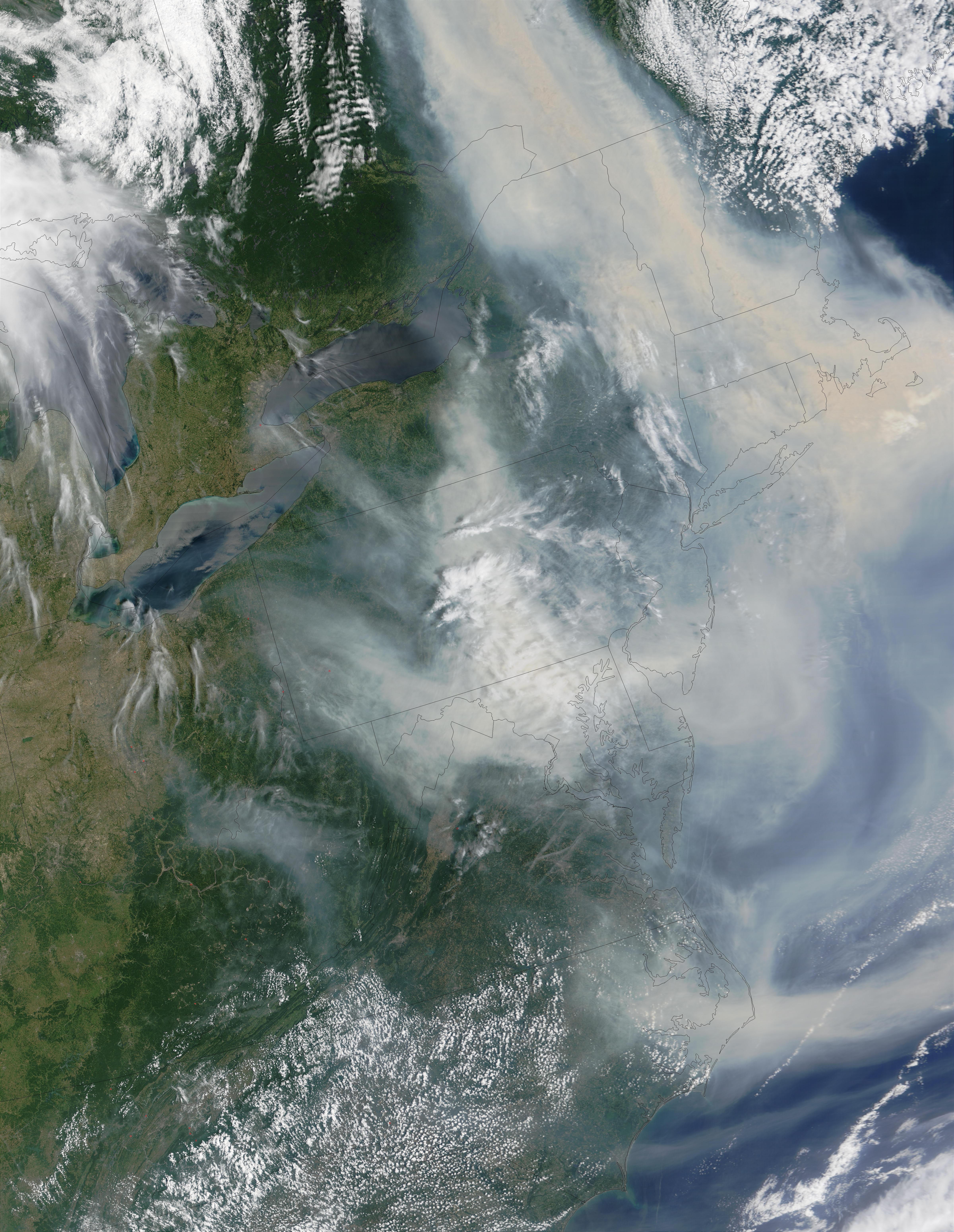 Humo de incendios en Quebec transportado encima de la costa este de Estados Unidos
