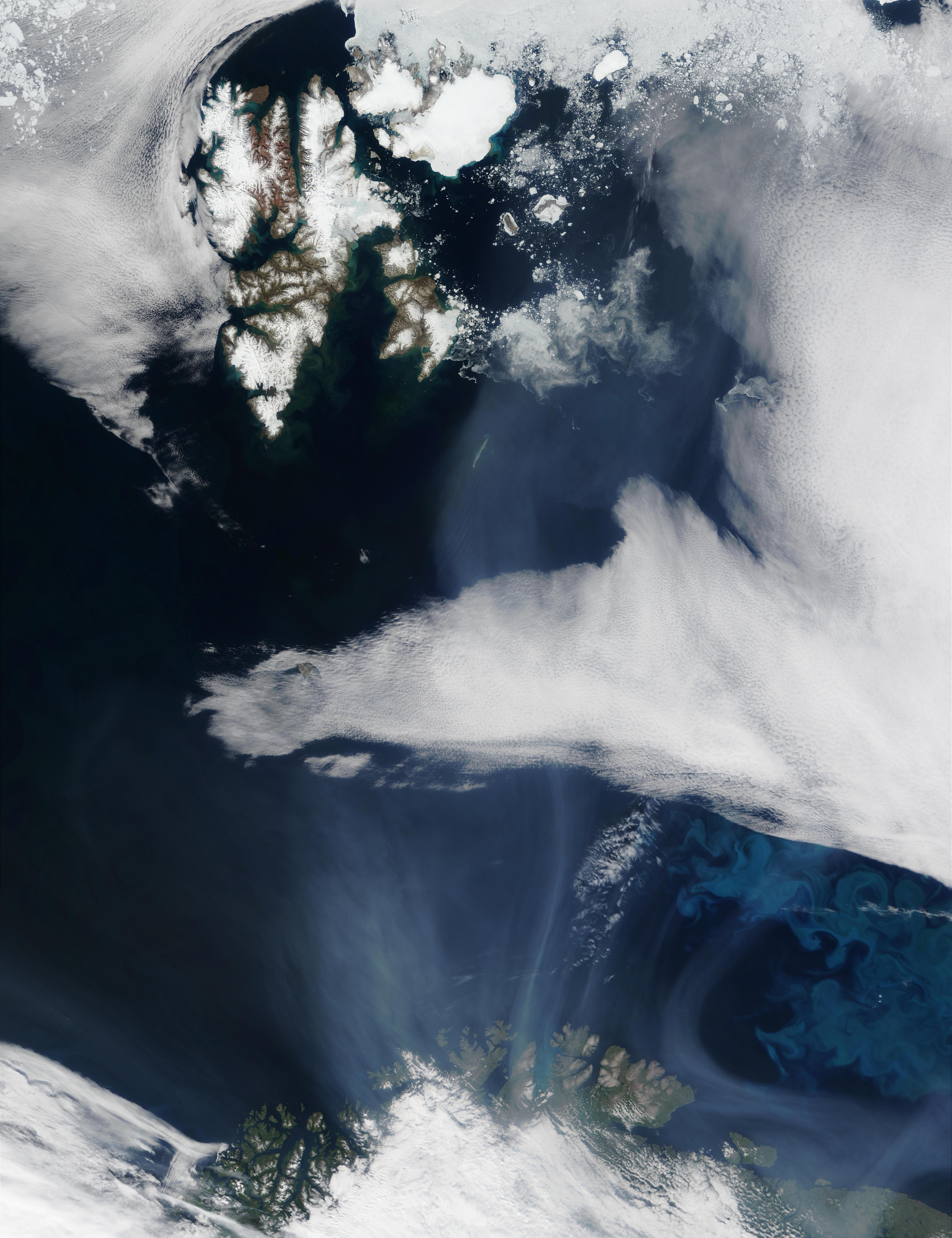 Humo de incendios proveniente de Saskatchewan (Canadá) cerca de Svalbard y Noruega