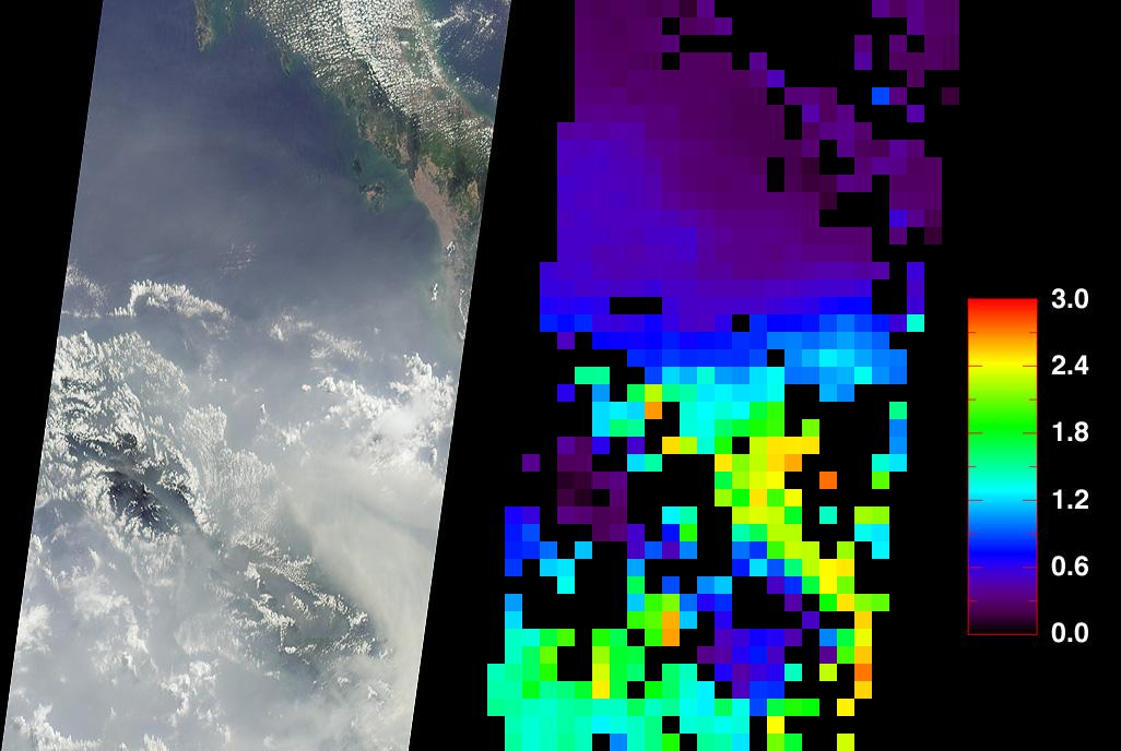 Humo encima de Sumatra, Indonesia
