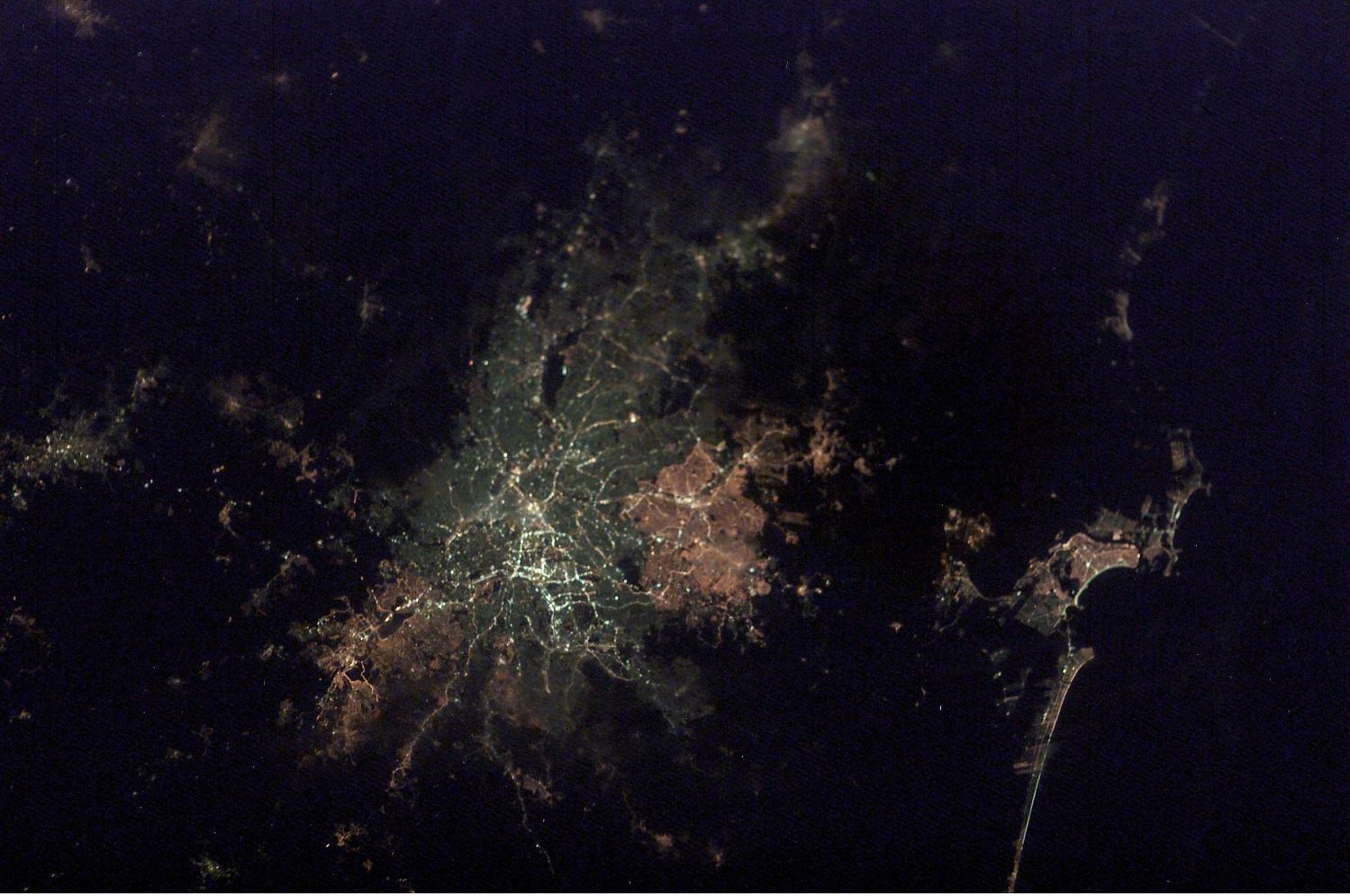 Imagen, Foto Satelite de la Ciudad de São Paulo de Noche, Brasil
