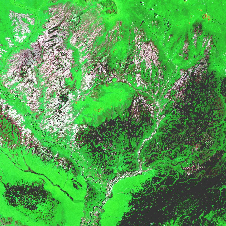 Imagen, Foto Satelite de la Region del Rio Araca, Brasil
