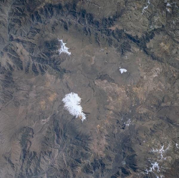 Imagen, Foto Satelite de los Volcanes Coropuna y Soliman, Peru