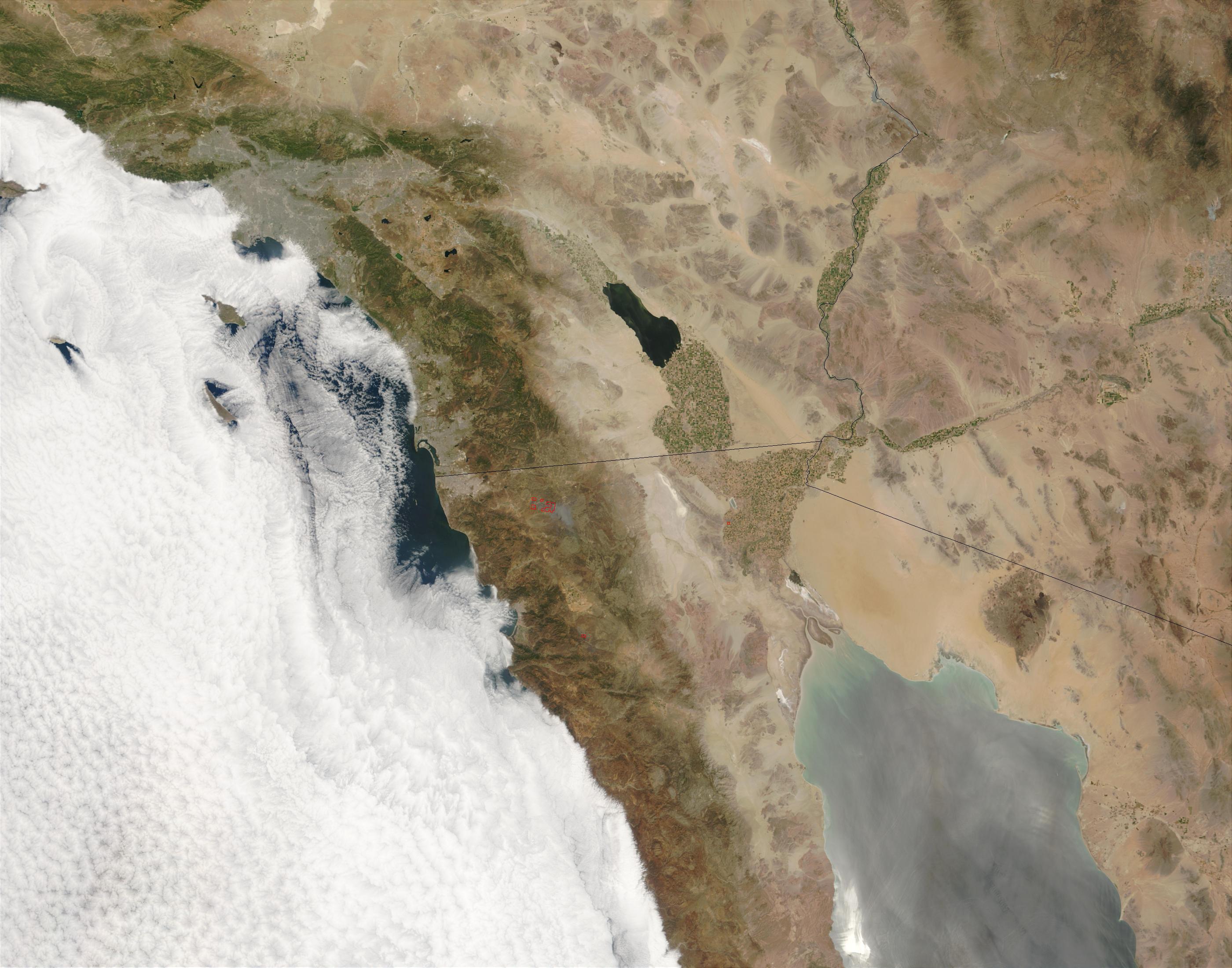 Incendios en el norte de Baja California, México