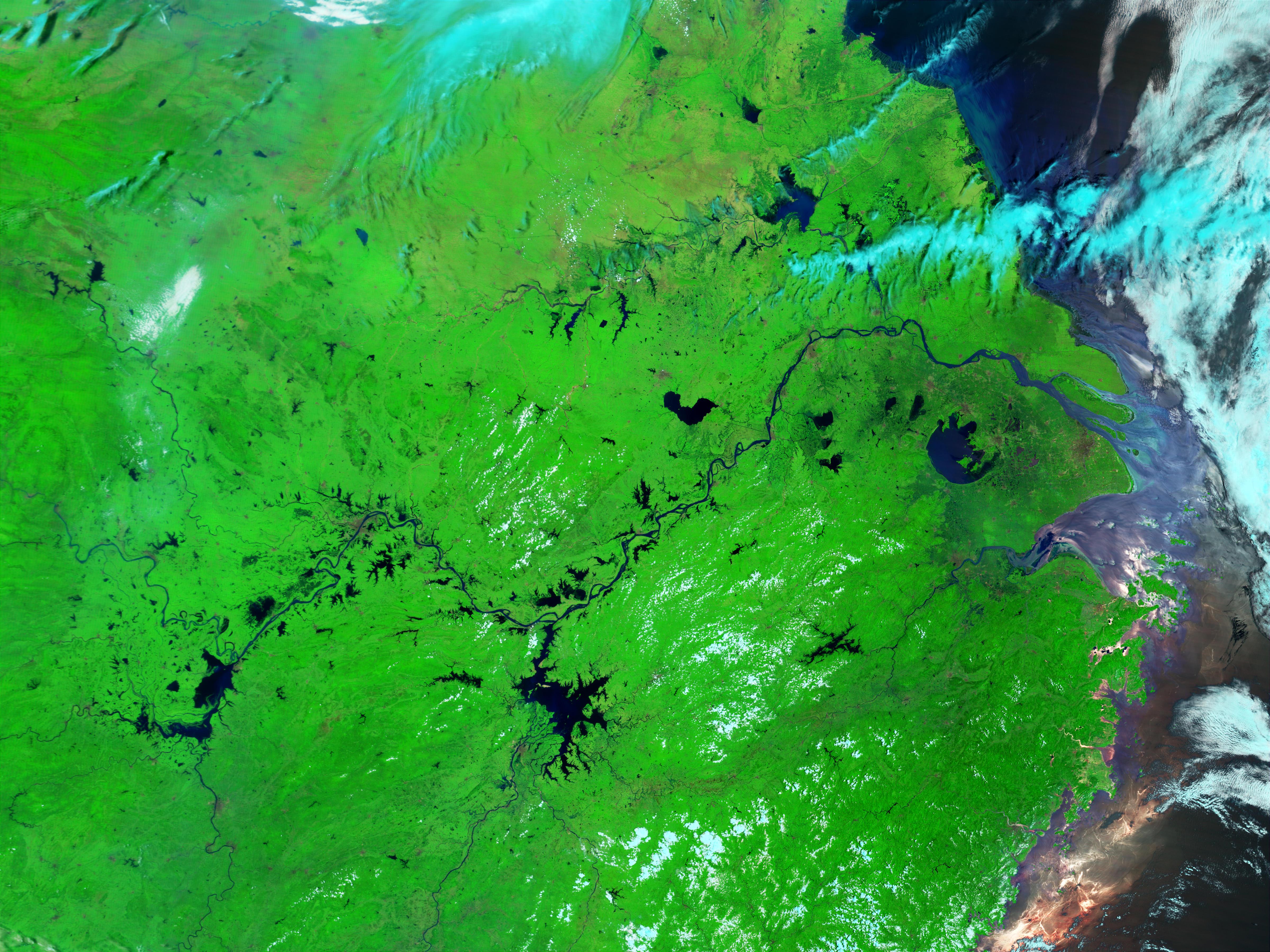 Inundaciones a lo largo del río Yangtsé, China
