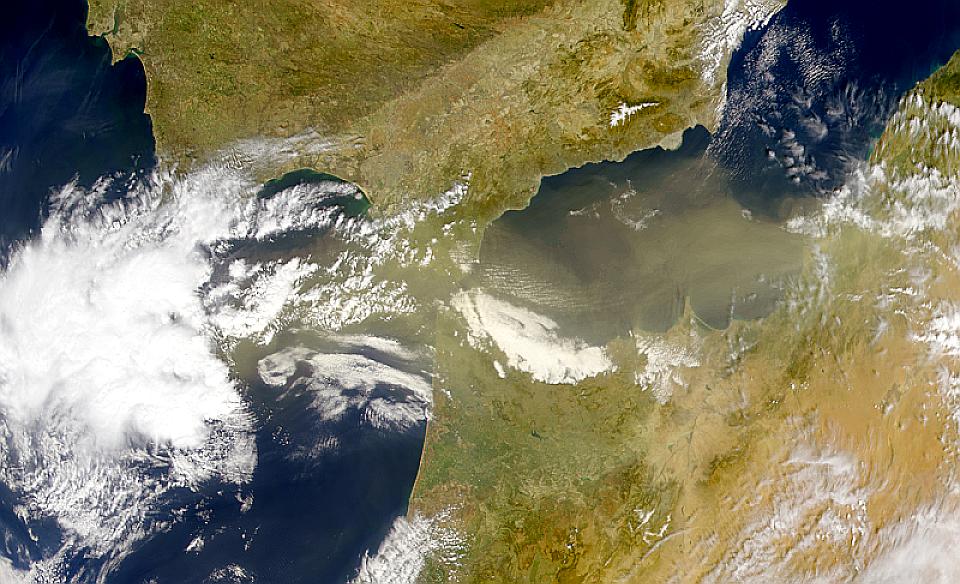 Mar de Alborán polvoriento
