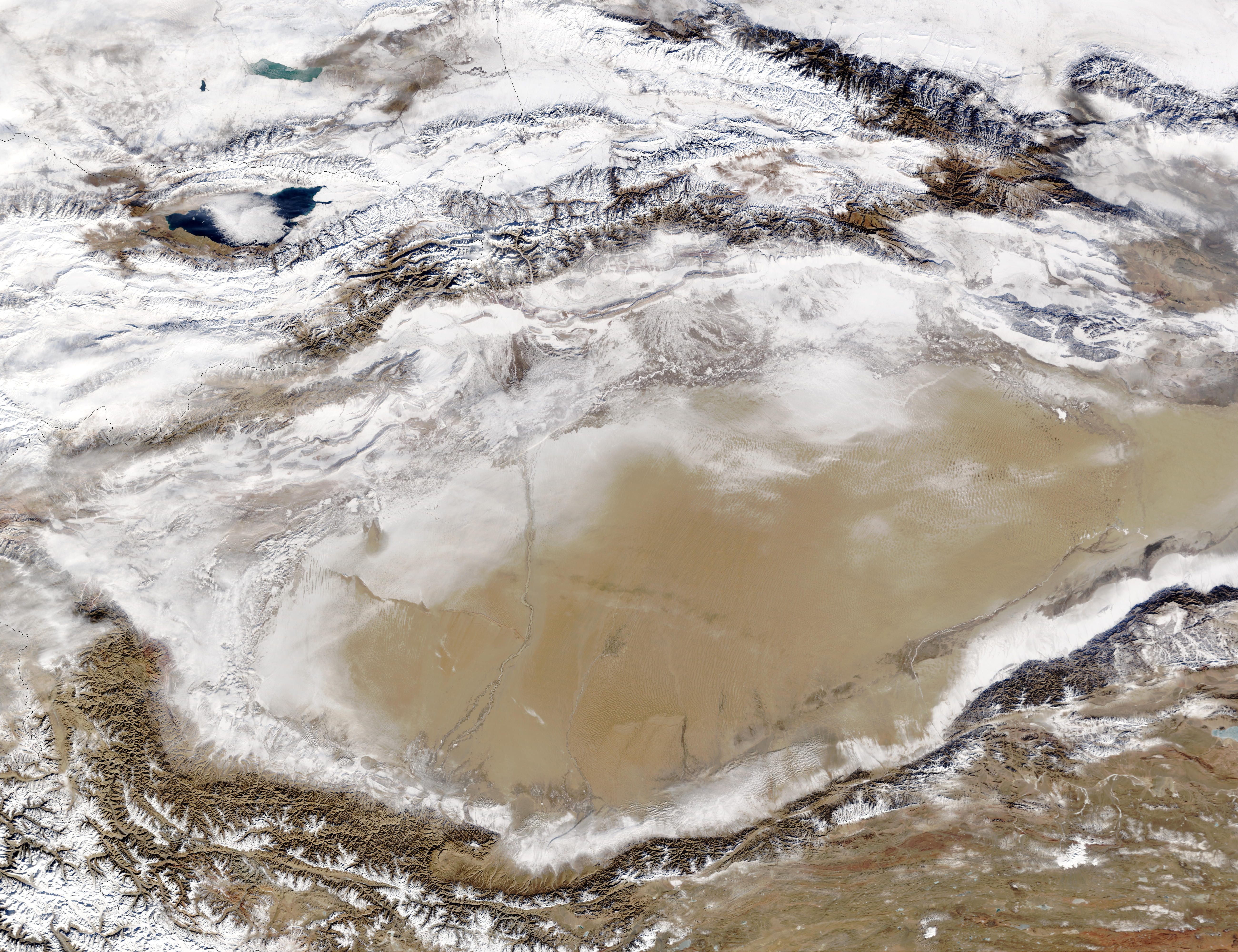 Snow in Taklimakan Desert, Western China