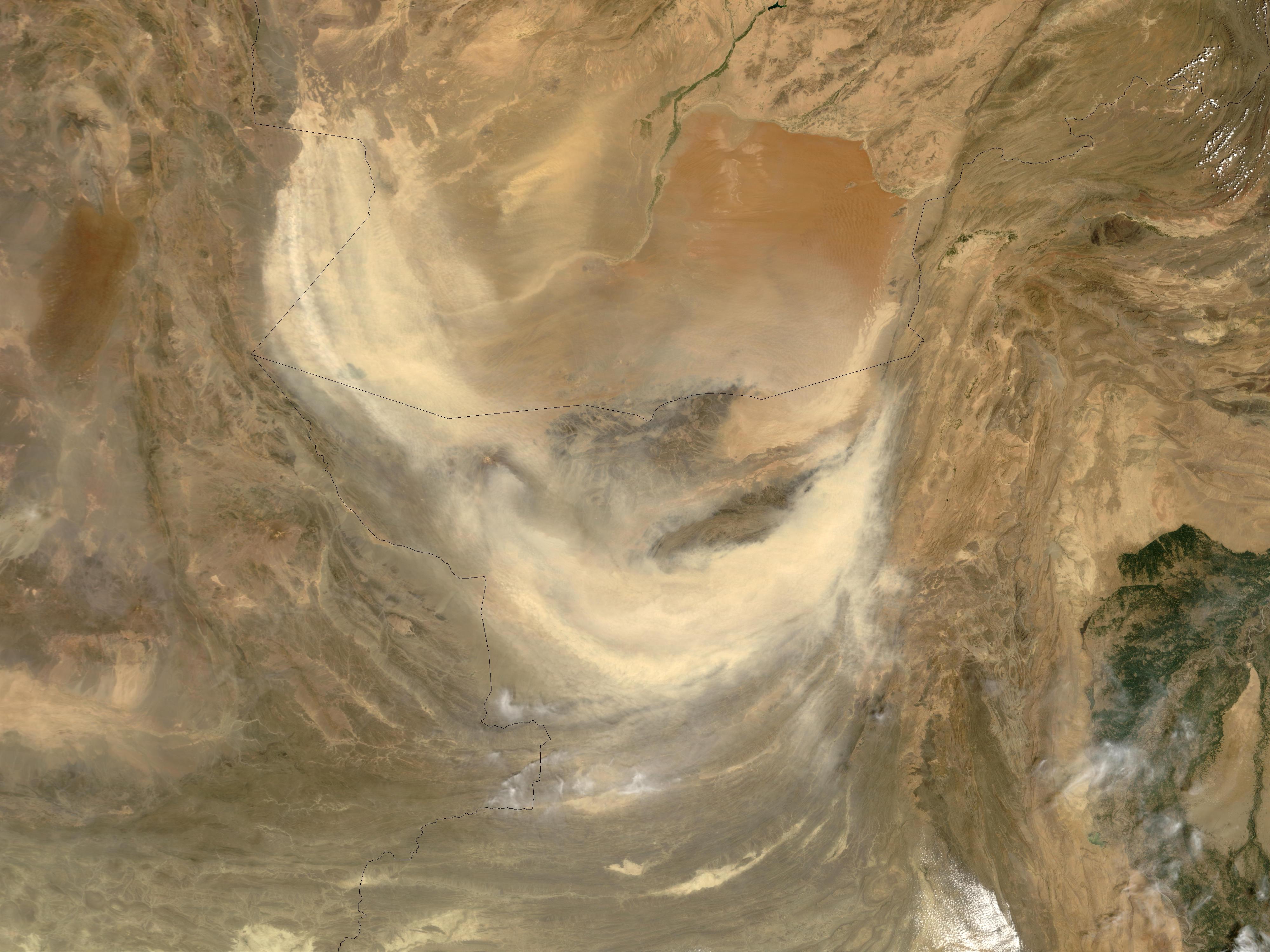 Tormenta de polvareda en Pakistán
