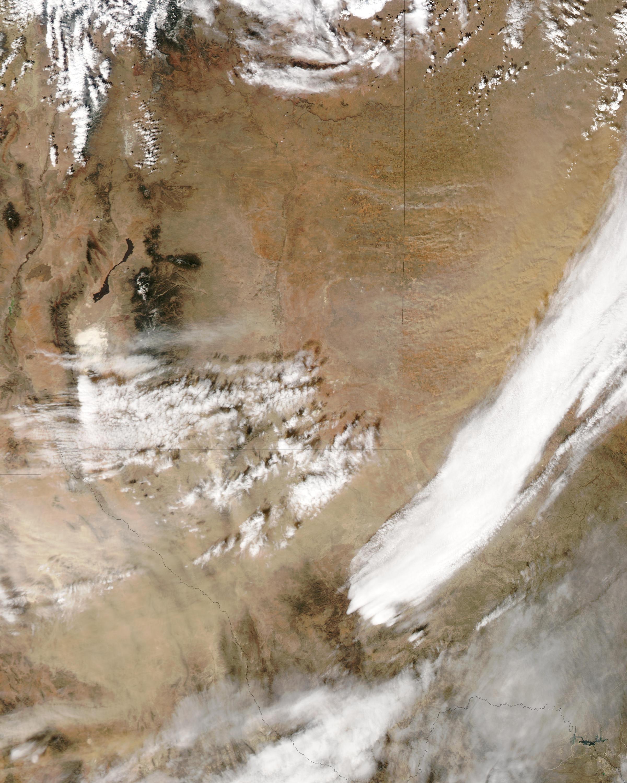 Tormenta de polvareda en Texas y Nuevo México (seguimiento satelital de la tarde)