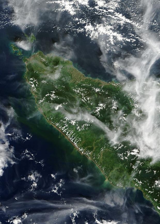 Daños del maremoto a lo largo de la costa norte de Sumatra, Indonesia