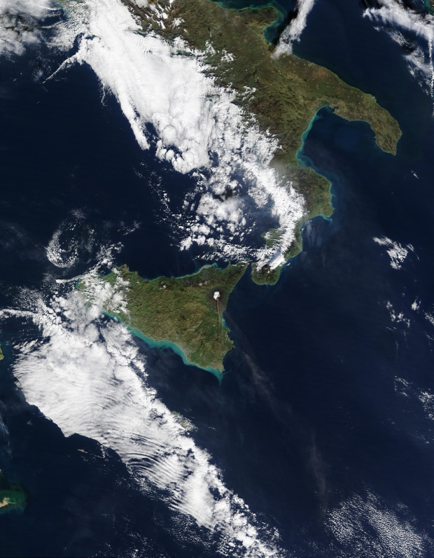 Erupción del volcán Etna en Sicilia