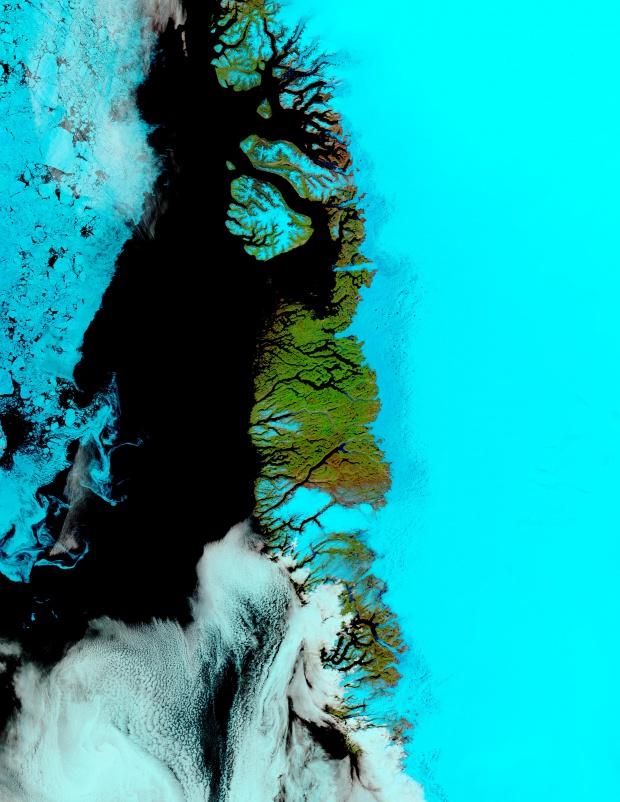 Meltwater ponds along Greenland West Coast (false color)