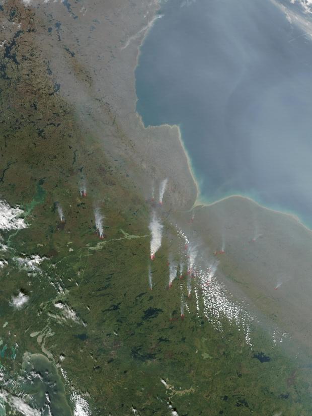 Incendios y humo en Manitoba, Canadá