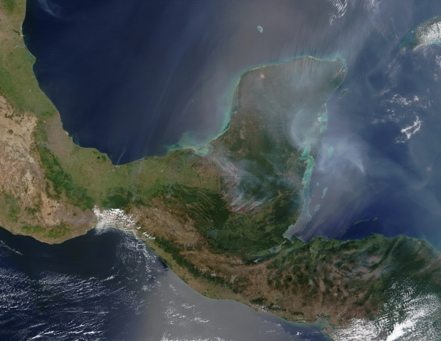 Incendios y humo en la Península de Yucatán y América Central