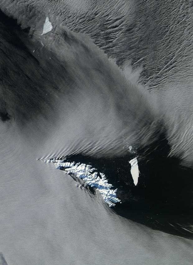 Los icebergs A-38B y A-38G en la vecindad de las Islas Georgias del Sur