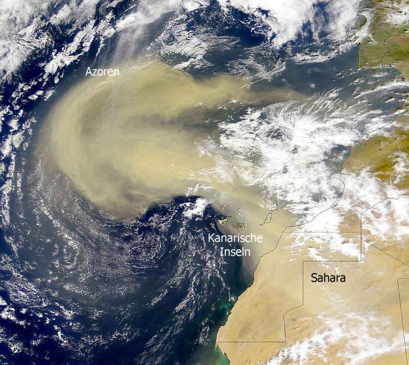 Calima sobre las Islas Canarias 2000