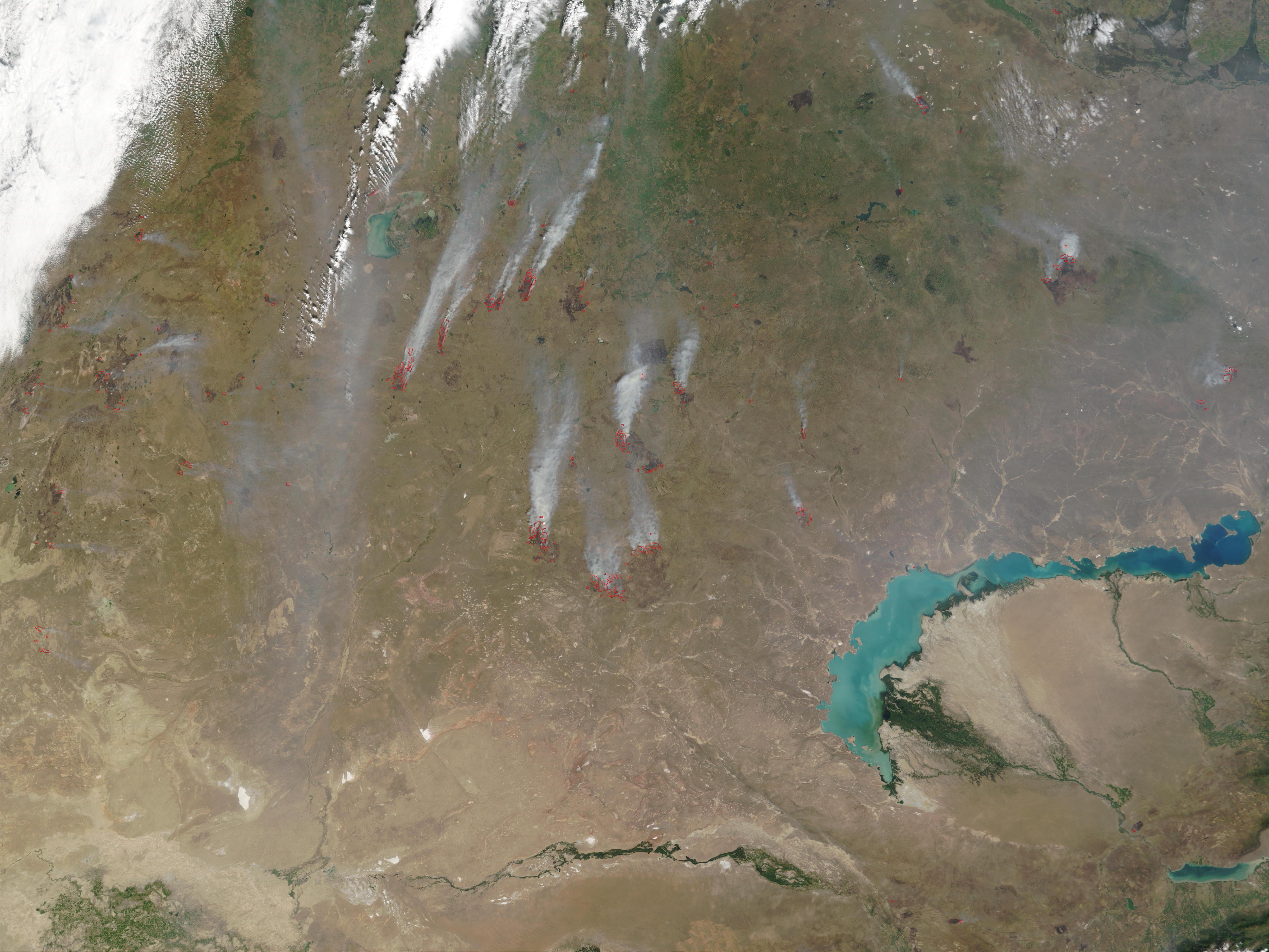 Cicatrices de fuegos y fuegos de fines de temporada en Kazajistán