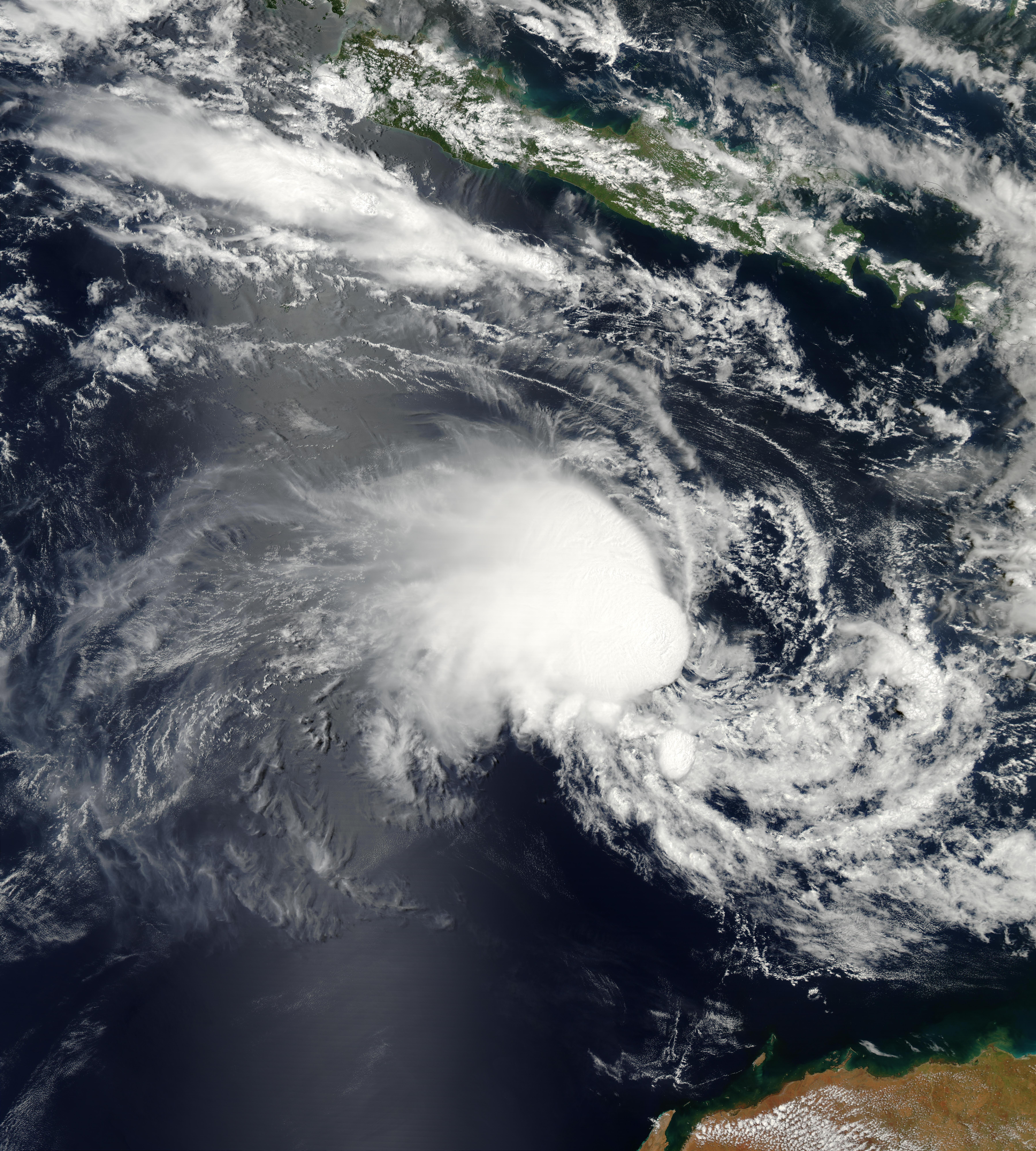 Ciclón tropical Harriet (21S) cerca de Java y Australia