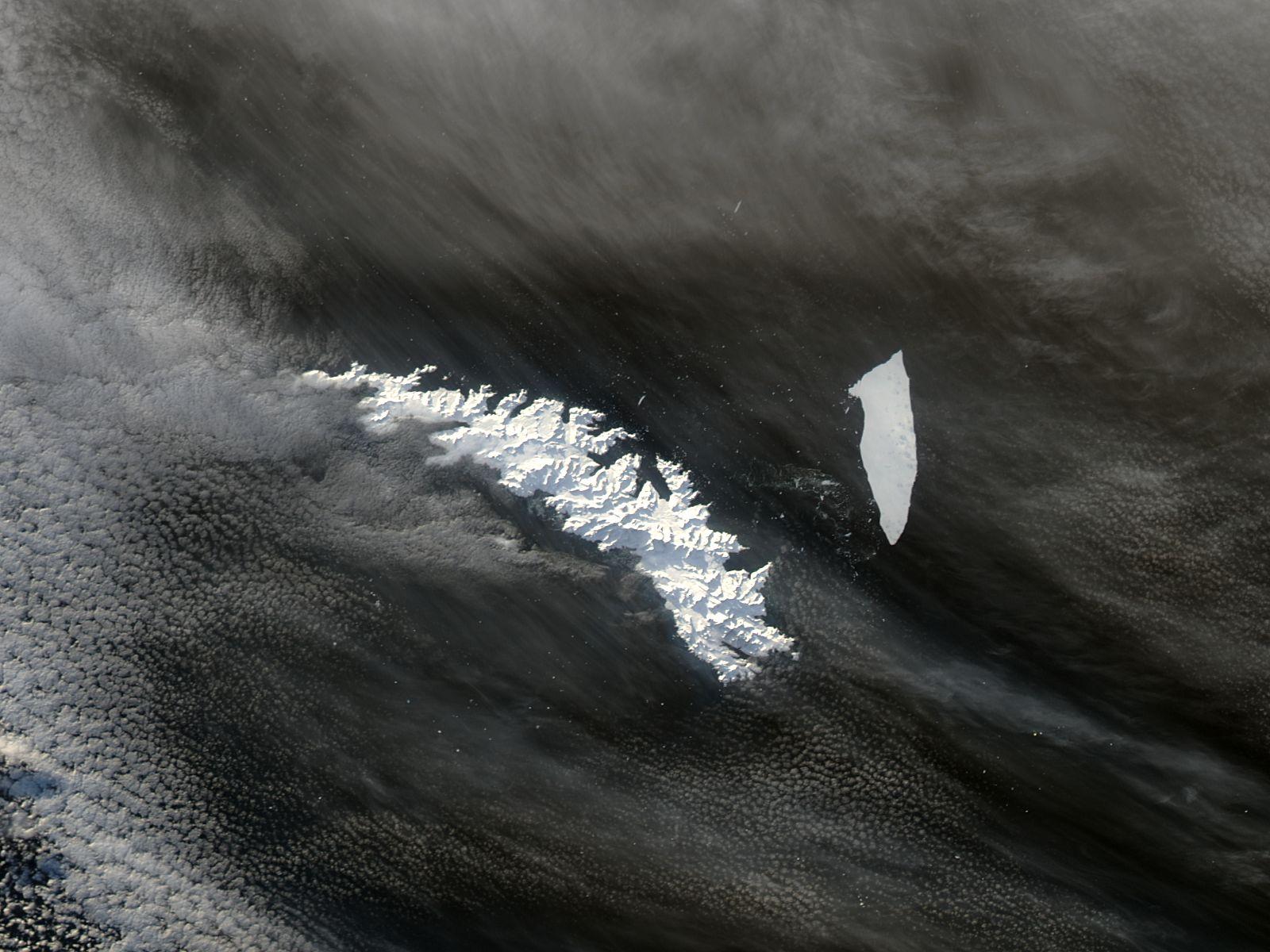 El iceberg  A-38B en la vecindad de las Islas Georgias del Sur