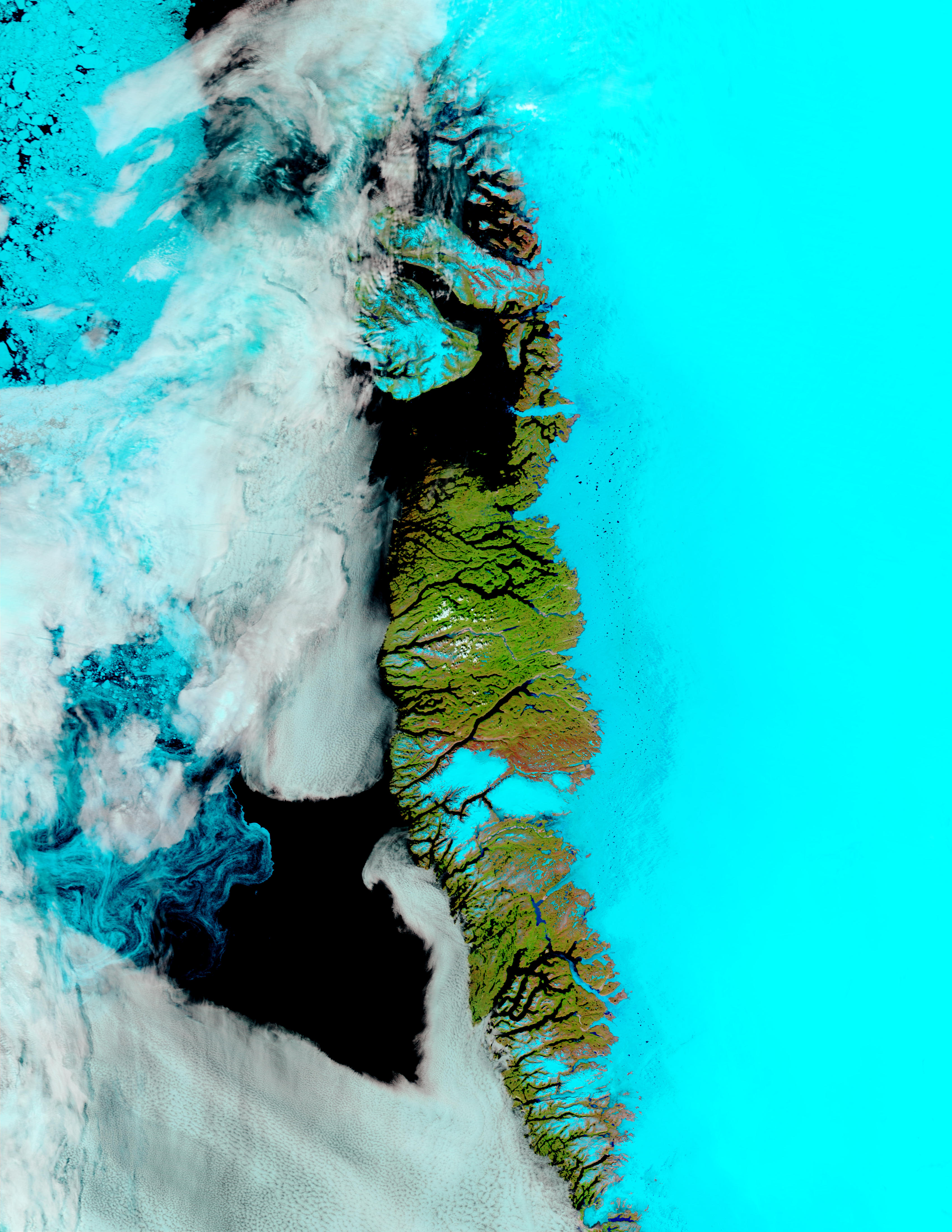 Estanques de agua del deshielo a lo largo de la costa oeste de Groenlandia (falso color)