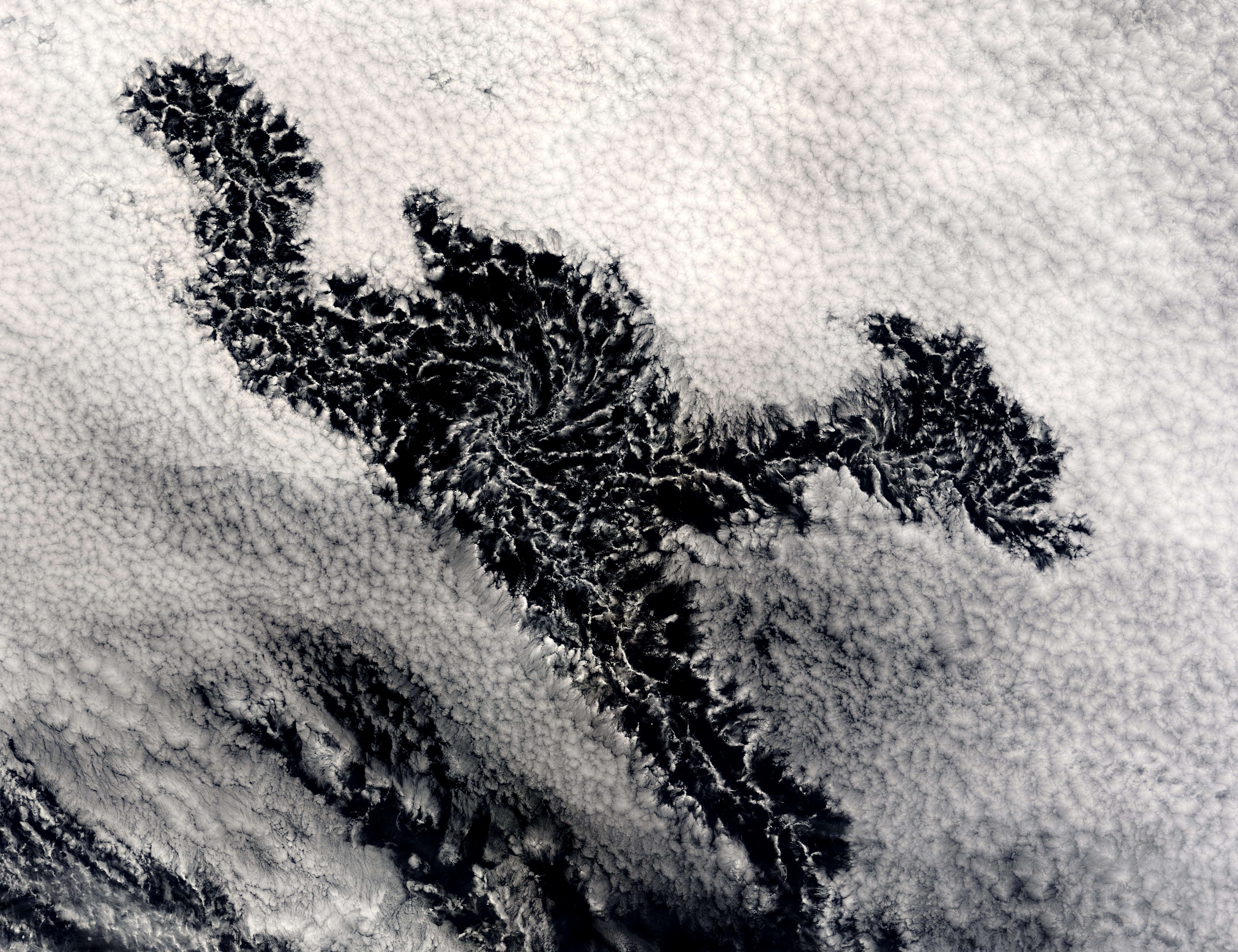 Formación de nubes cerca Perú
