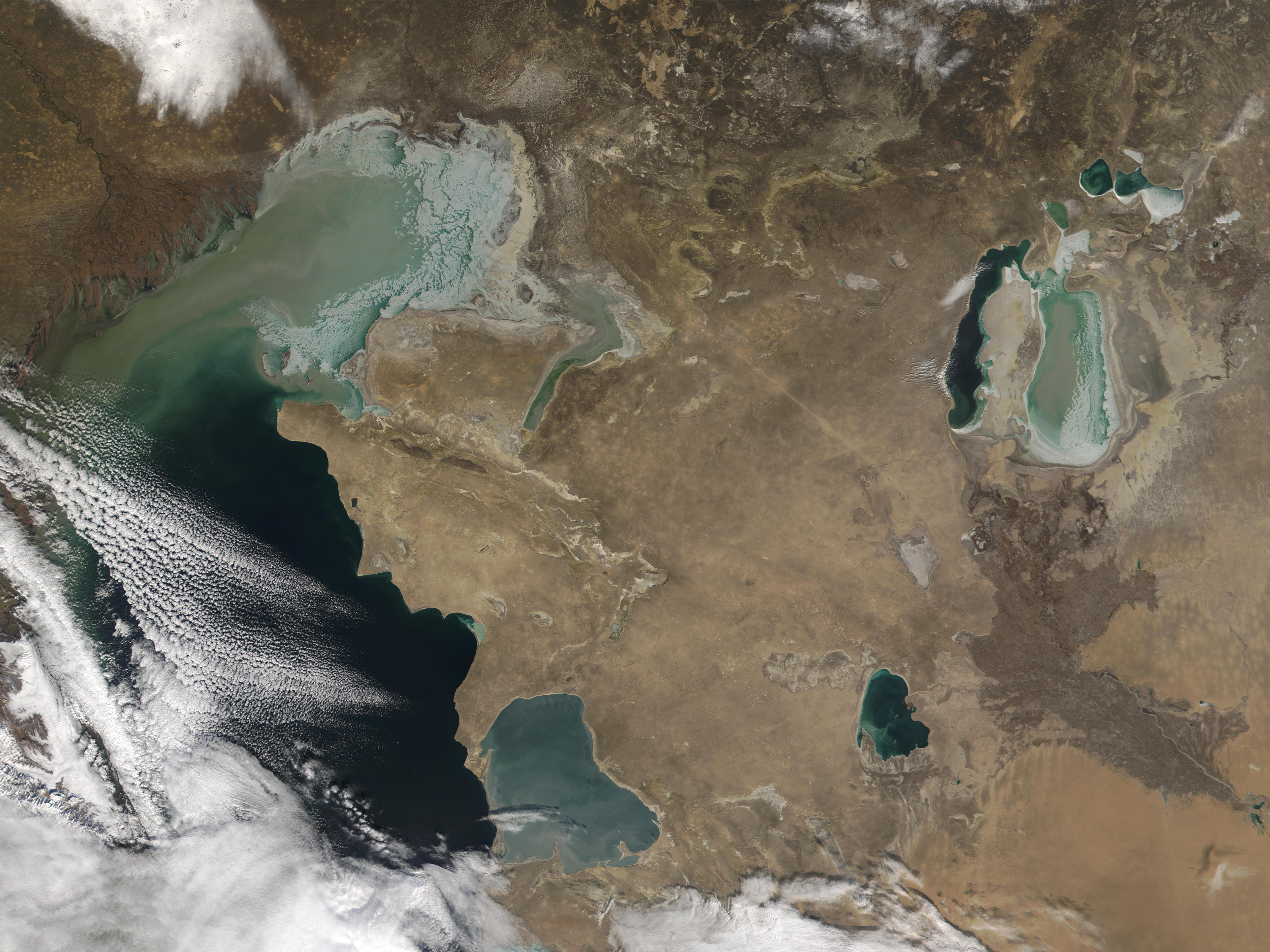 Hielo en el Mar Caspio y Mar de Aral