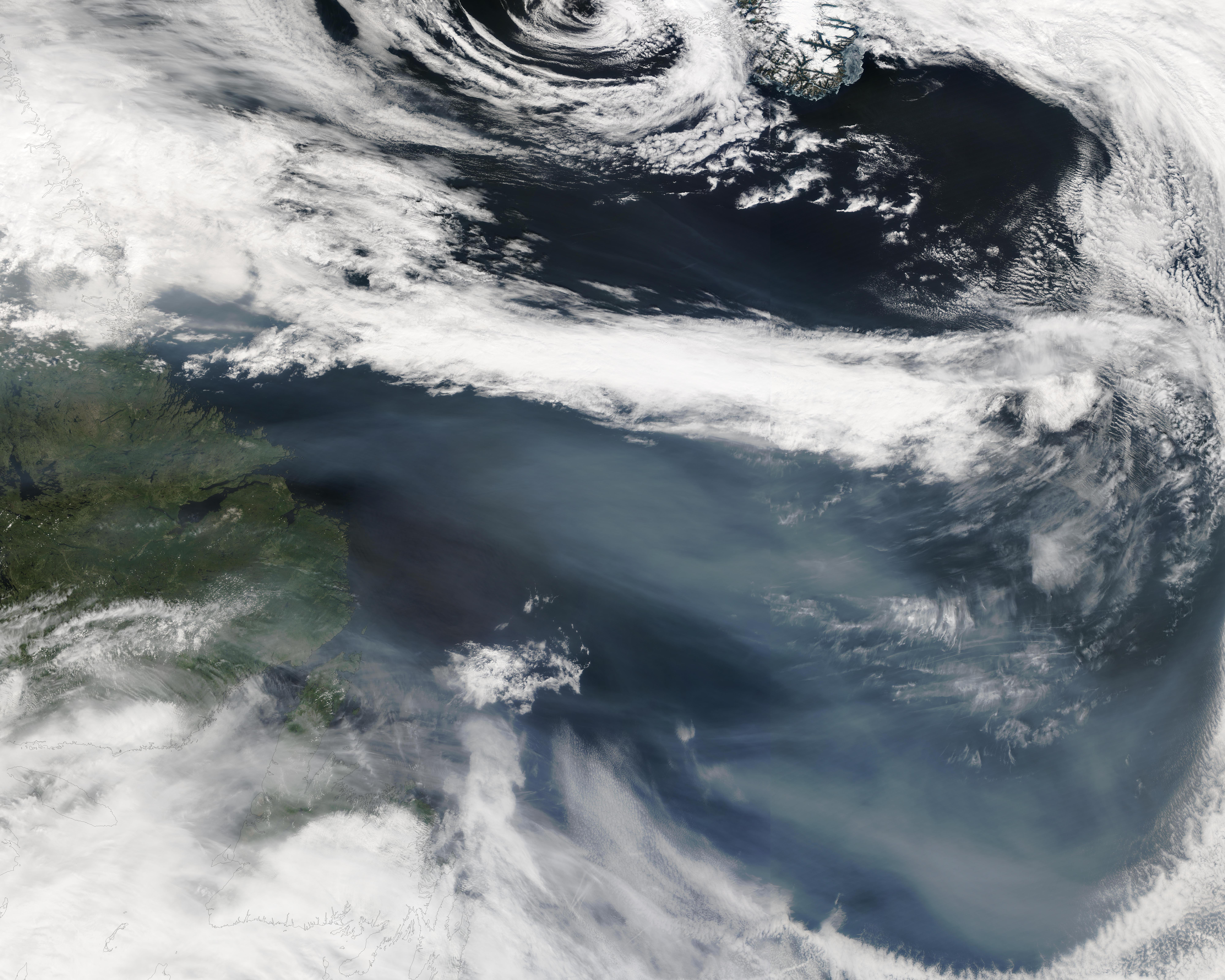 Humo de incendio forestal de Alaska cerca de Canadá