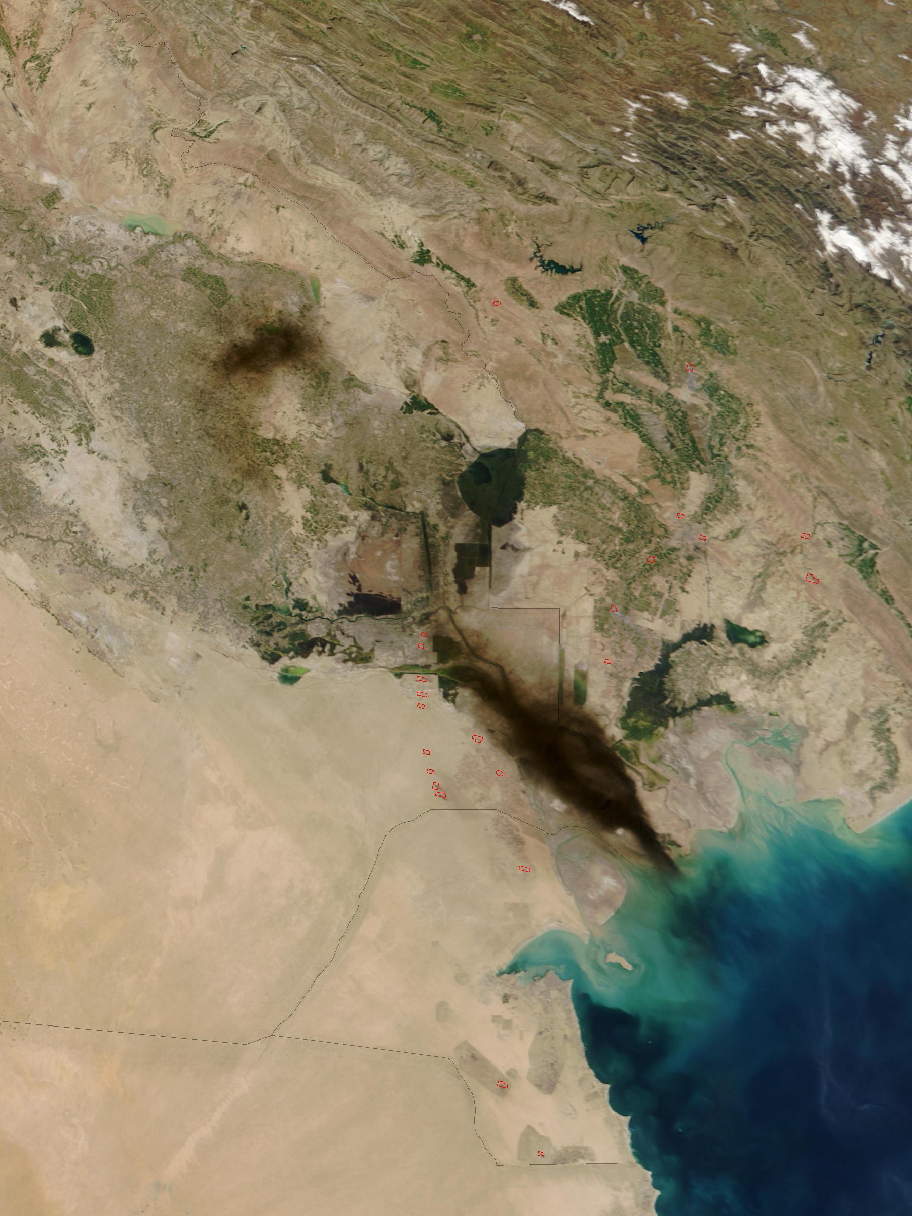 Humo de petróleo en Iraq meridional (seguimiento satelital de la mañana)