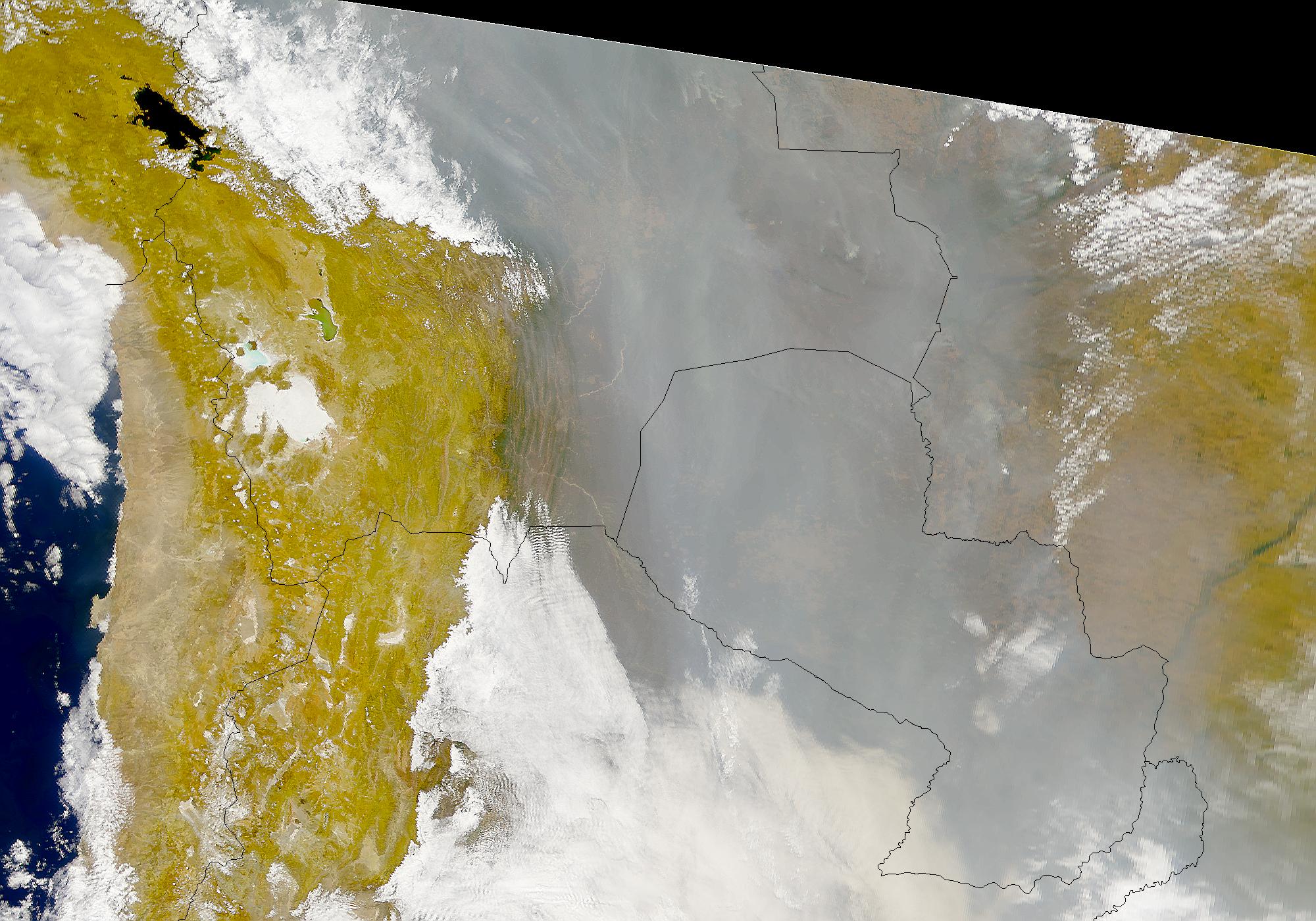 Humo denso encima Bolivia