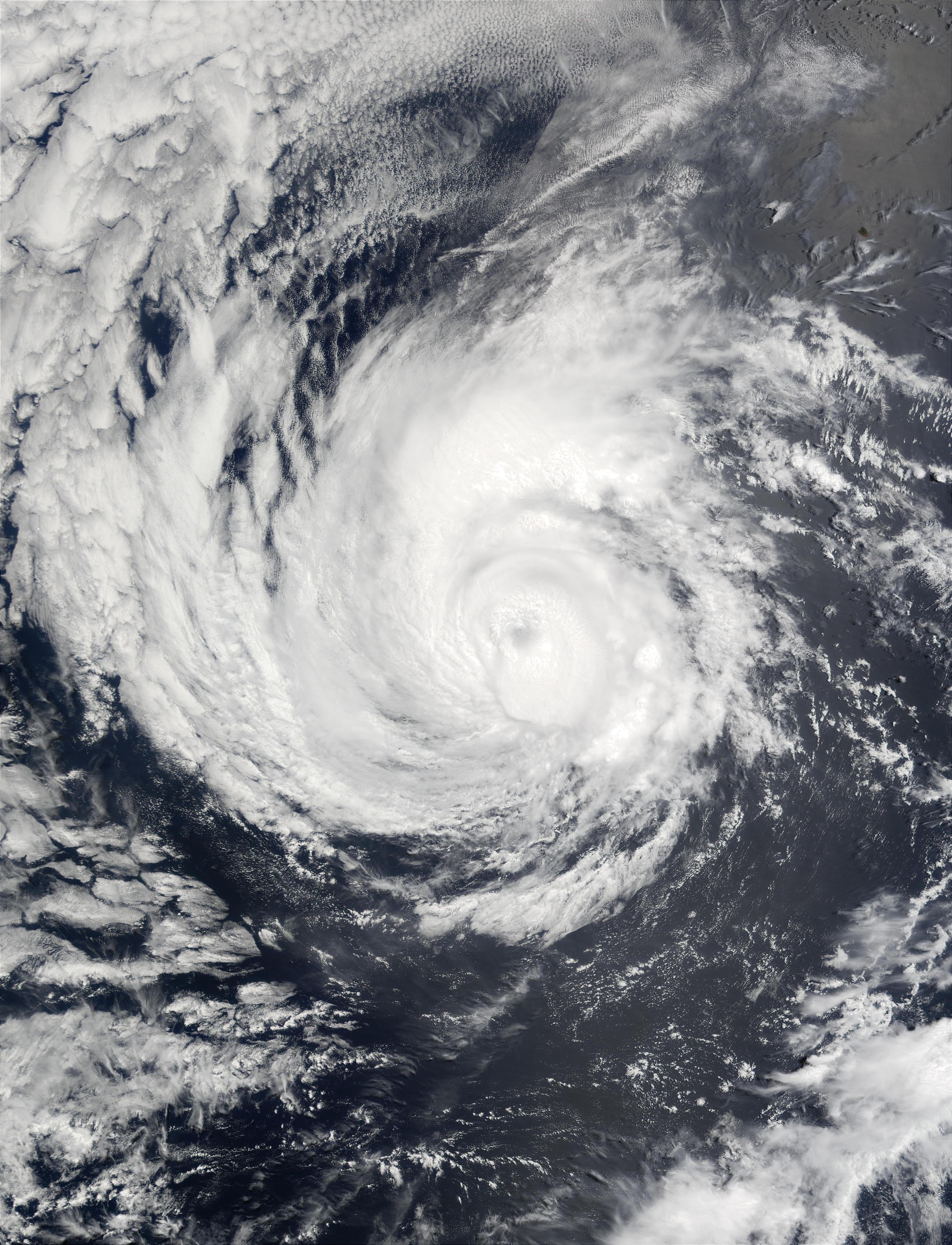 Huracán Alma en el Océano Pacífico oriental