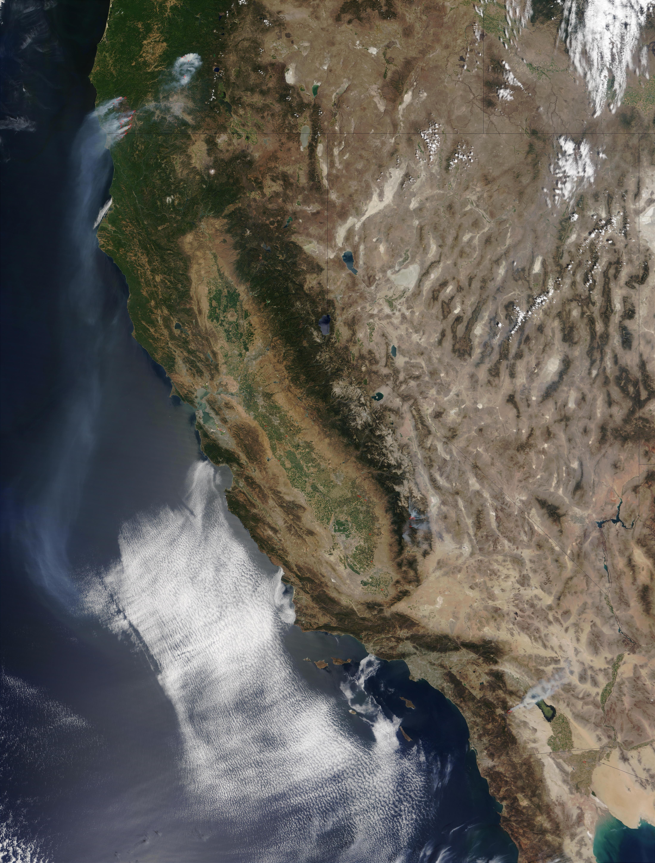 Incendios McNalley y Pines en California