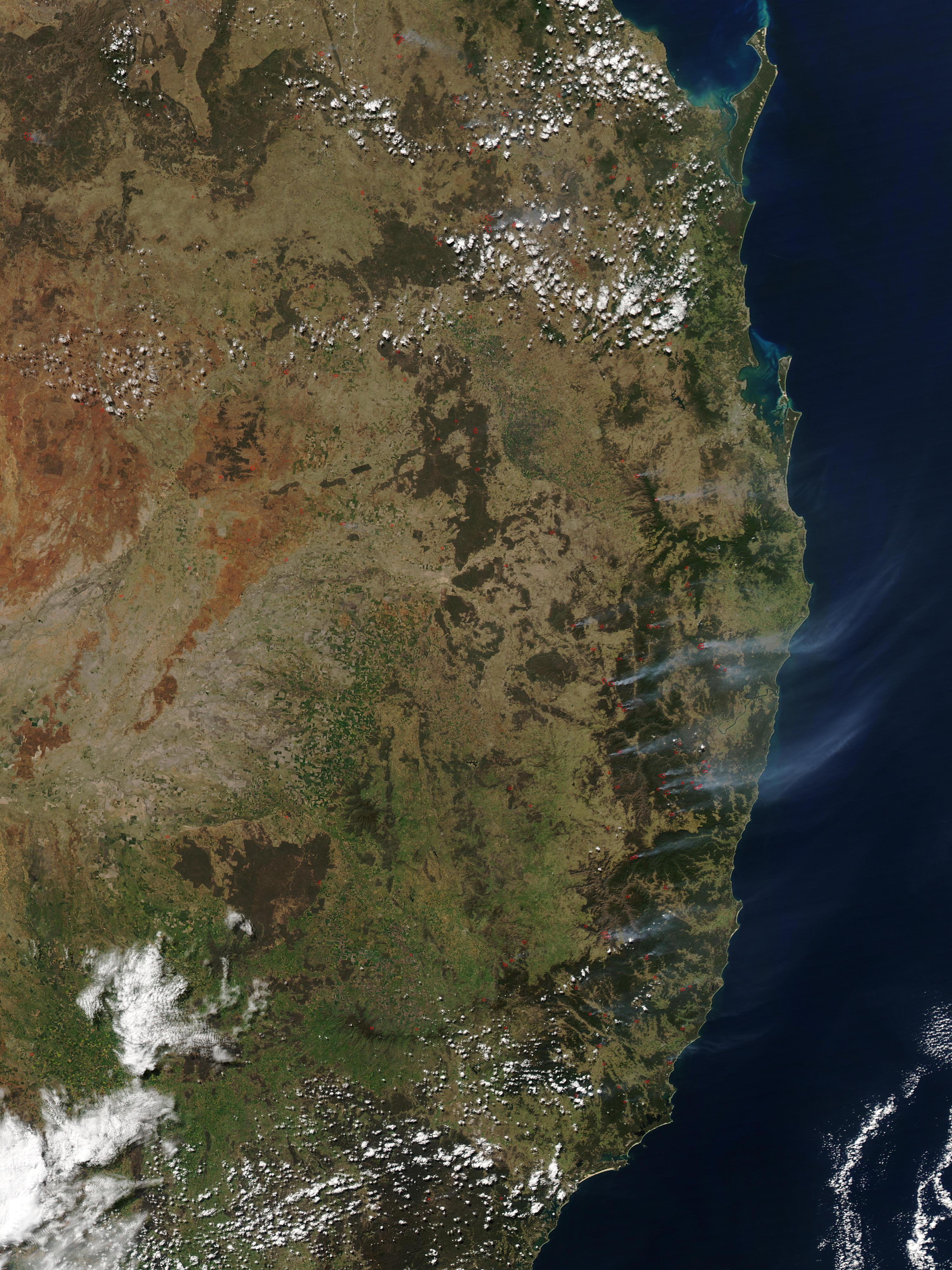 Incendios a través de la costa este de Australia