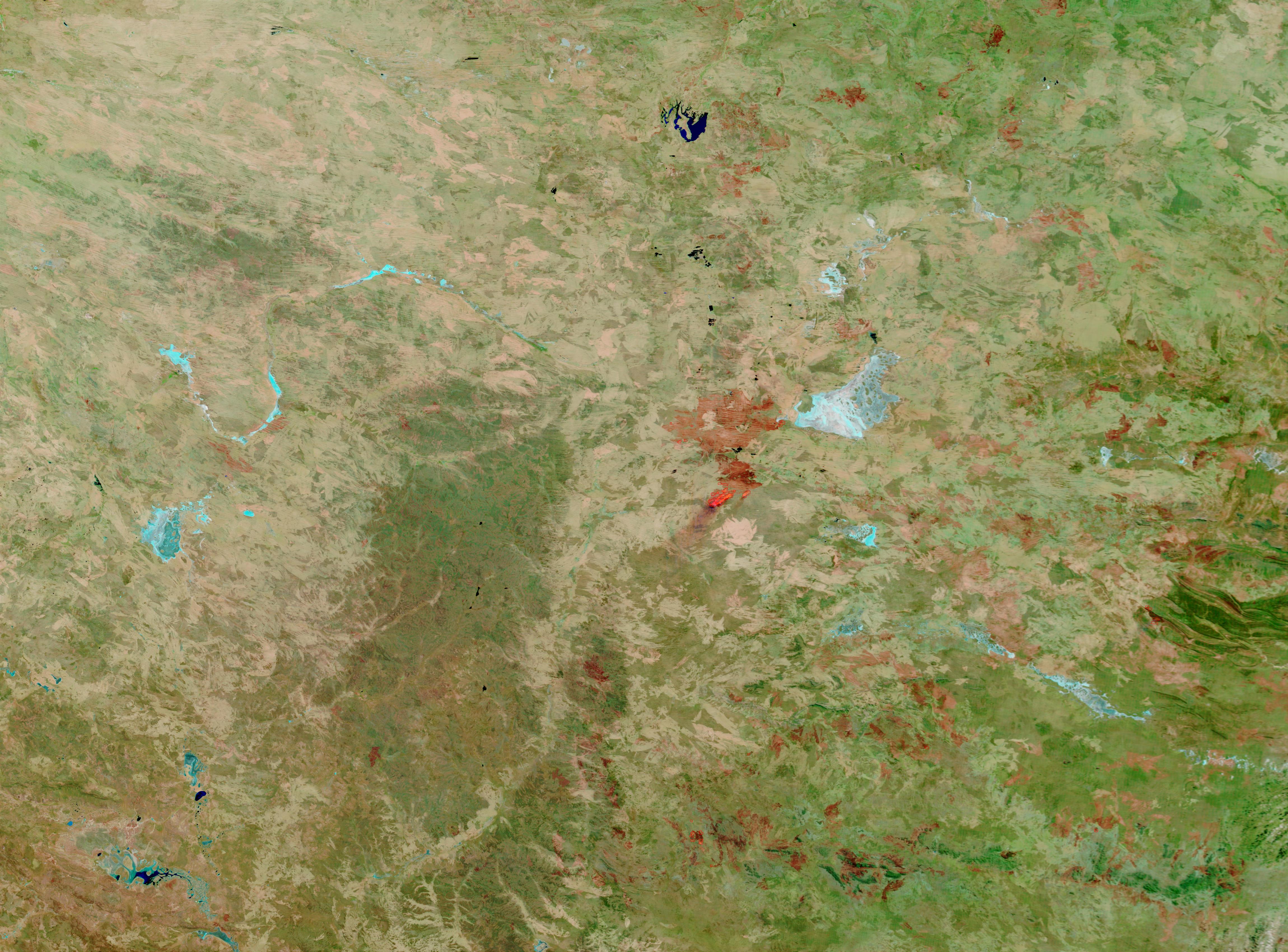 Incendios y cicatrices de los Incendios cerca de Alice Springs, centro de Australia