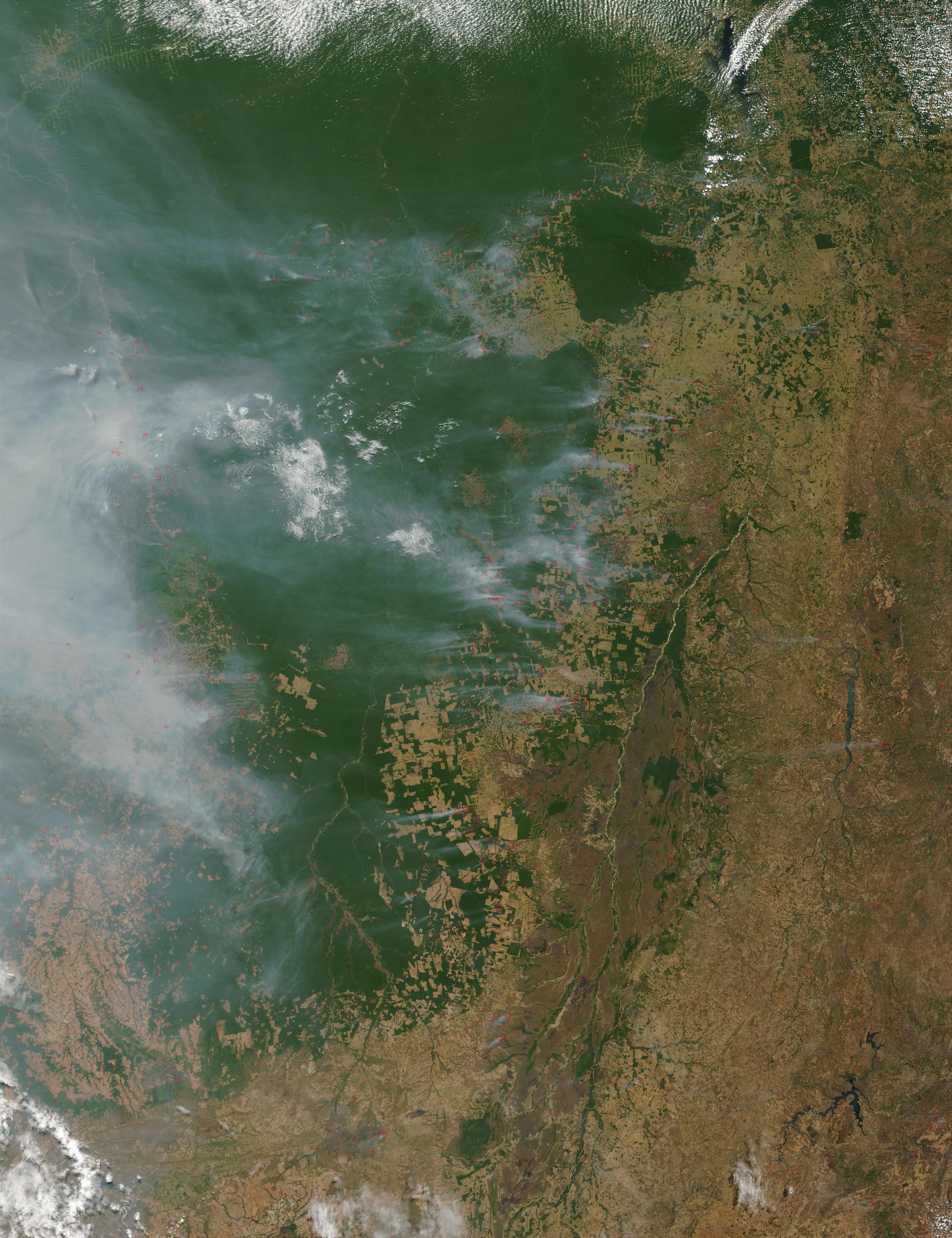 Incendios y humo en Brasil Central