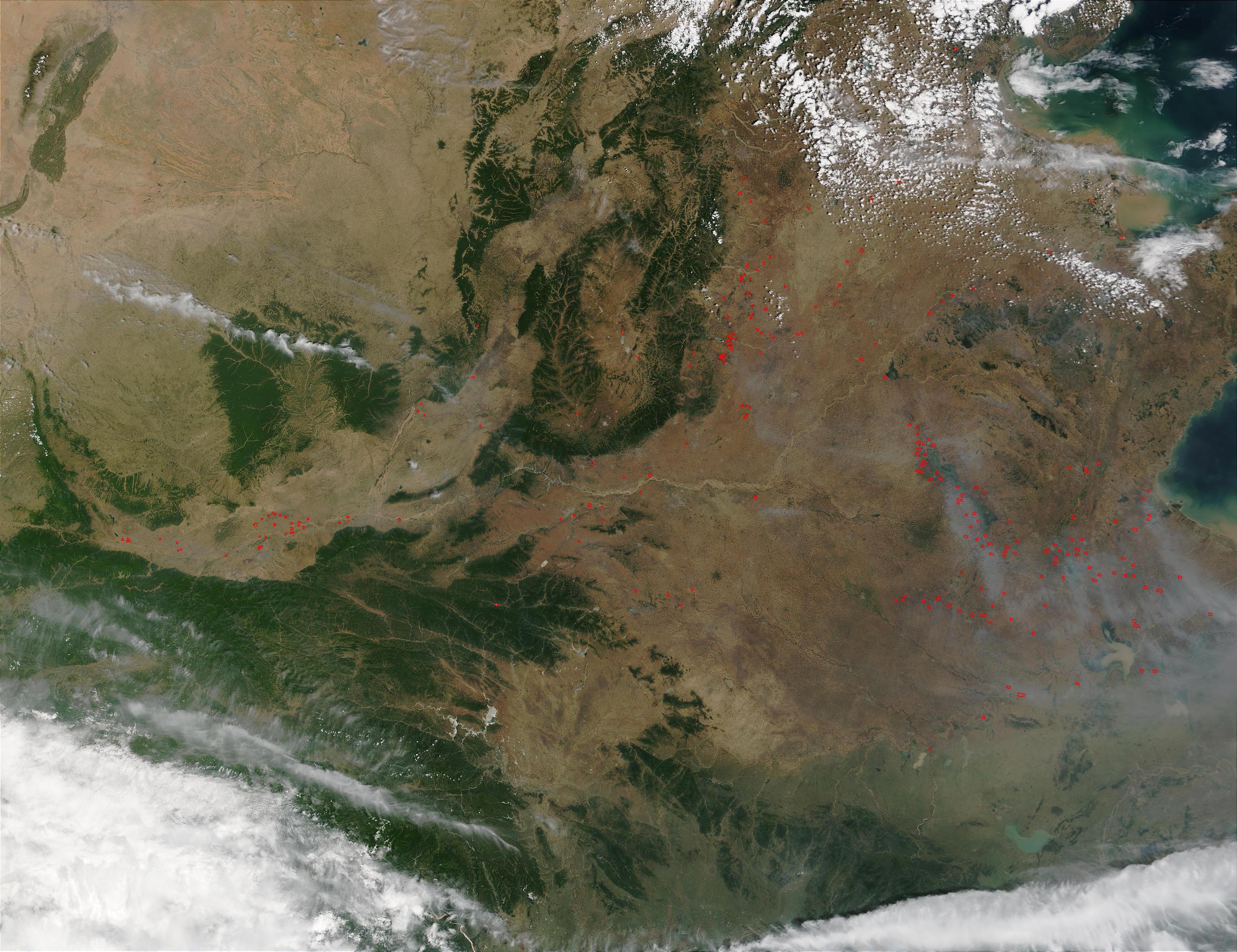 Incendios y humo en China oriental