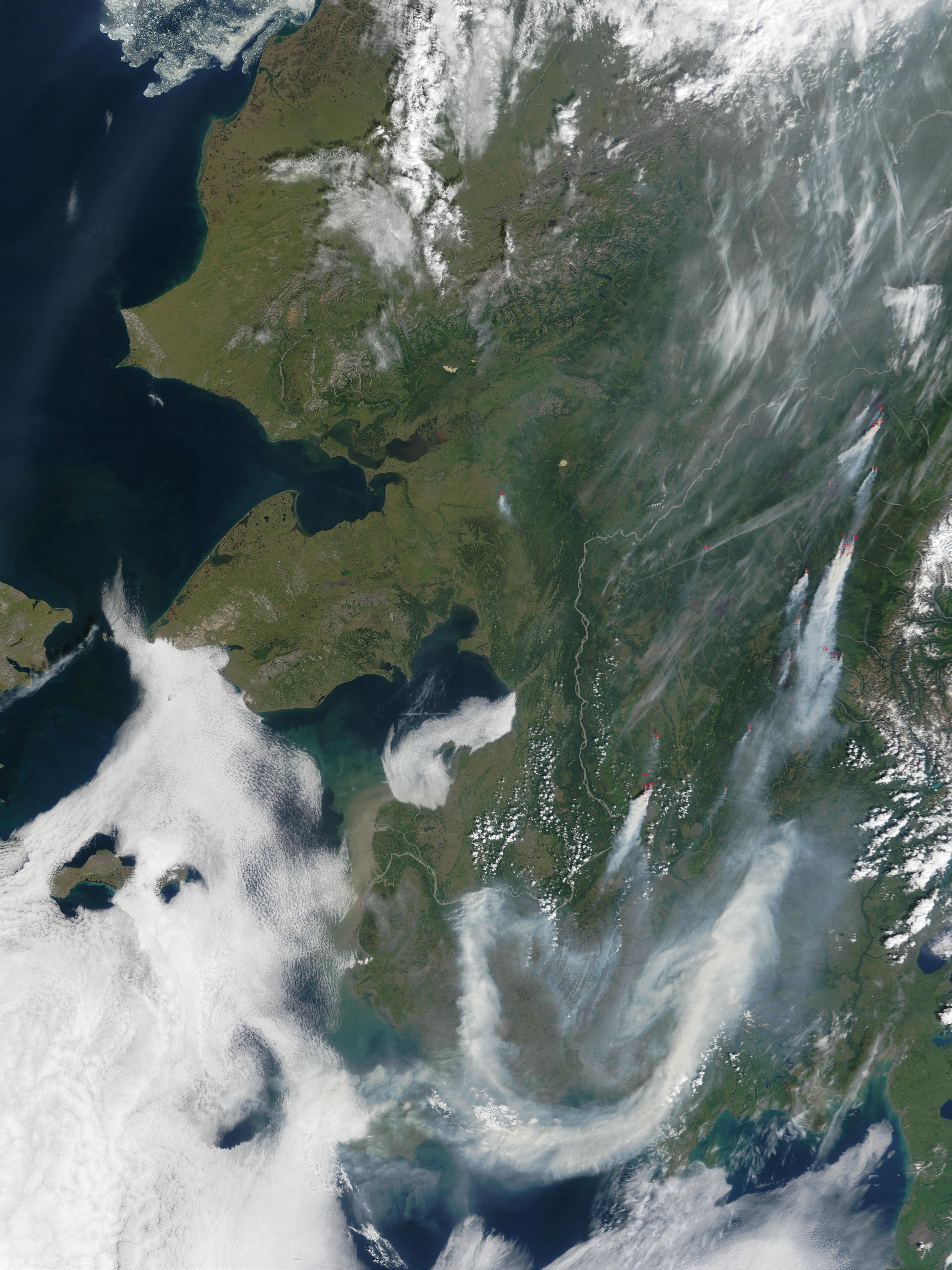 Incendios y humo espeso en Alaska