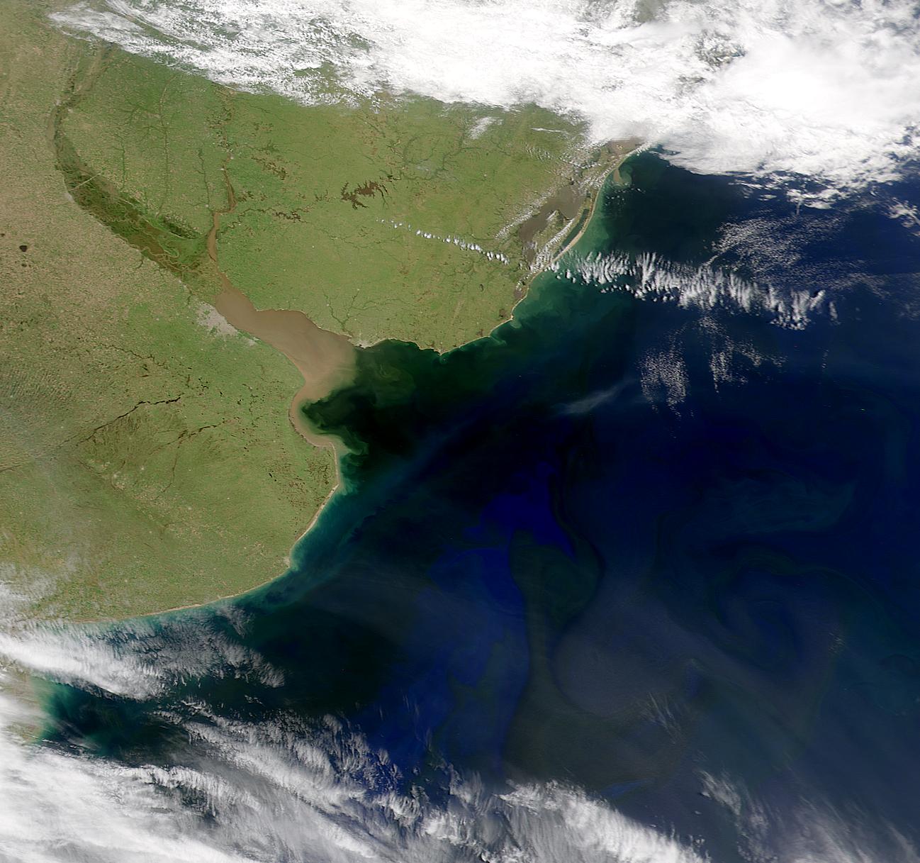 Rio de la Plata frontera natural entre Uruguay y Argentina