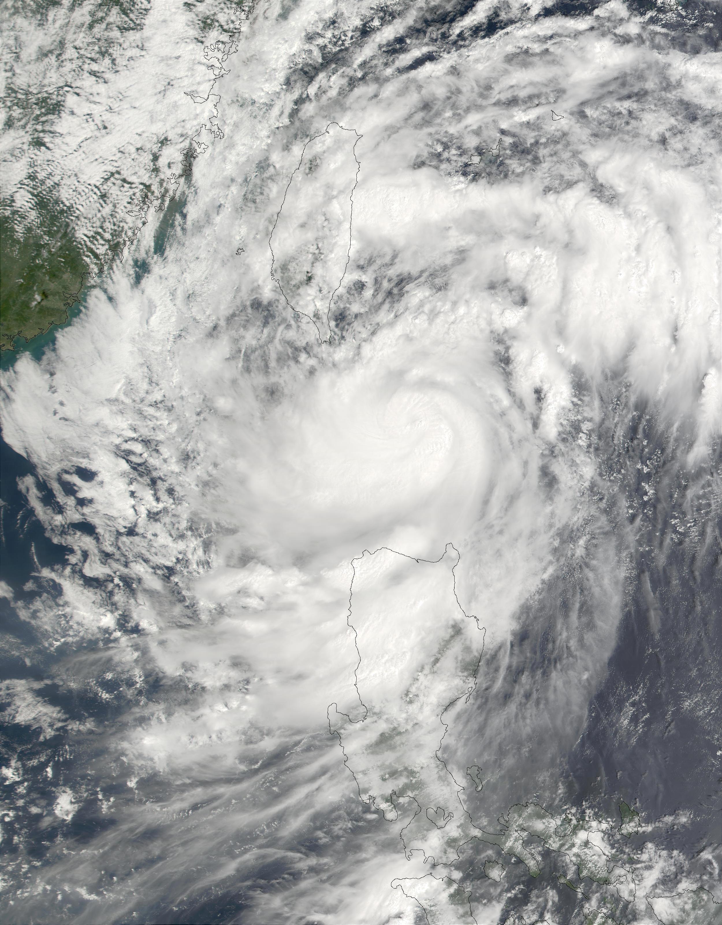 Tifón Lekima (23W) sureste de Taiwán