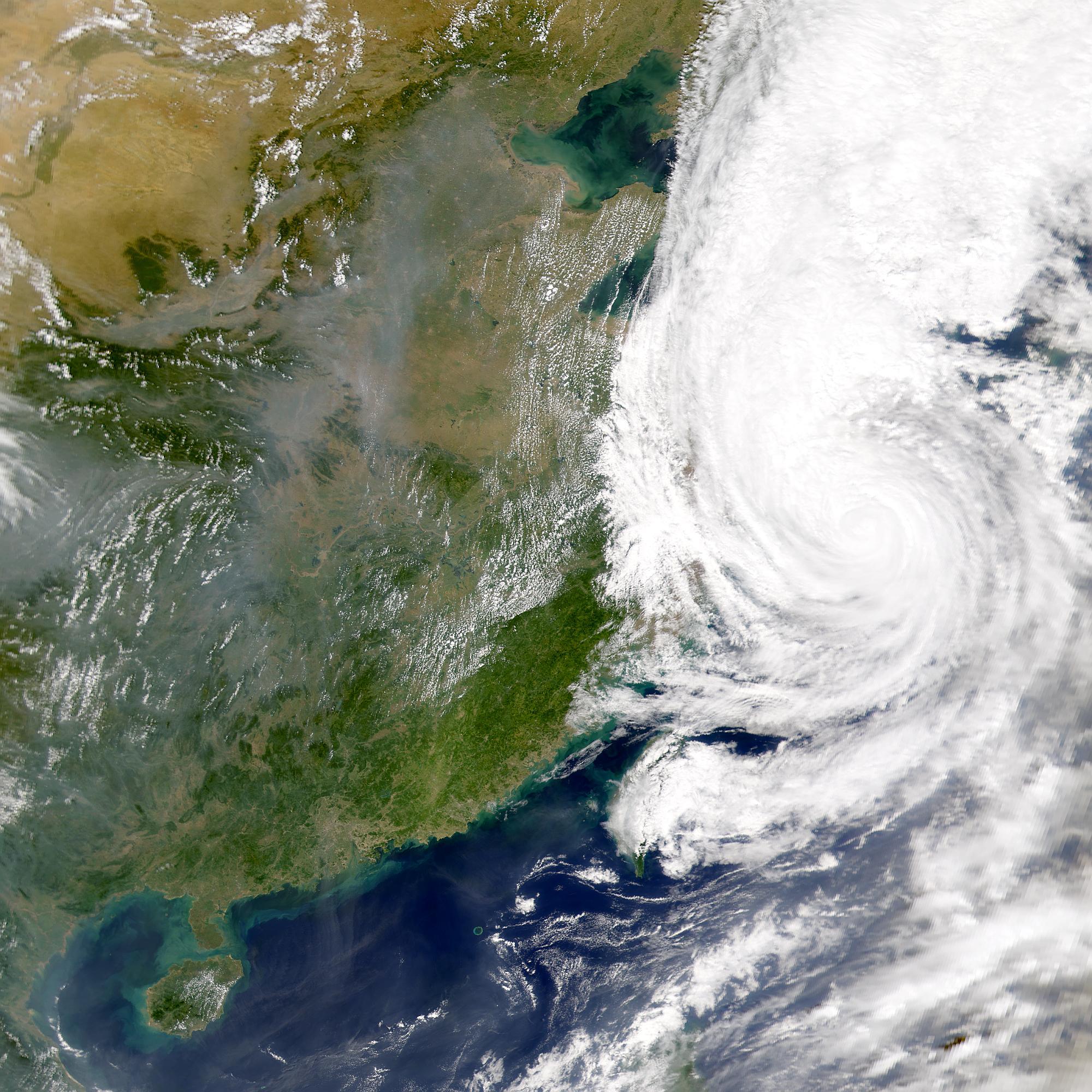 Tifón Saomai; contaminación en China