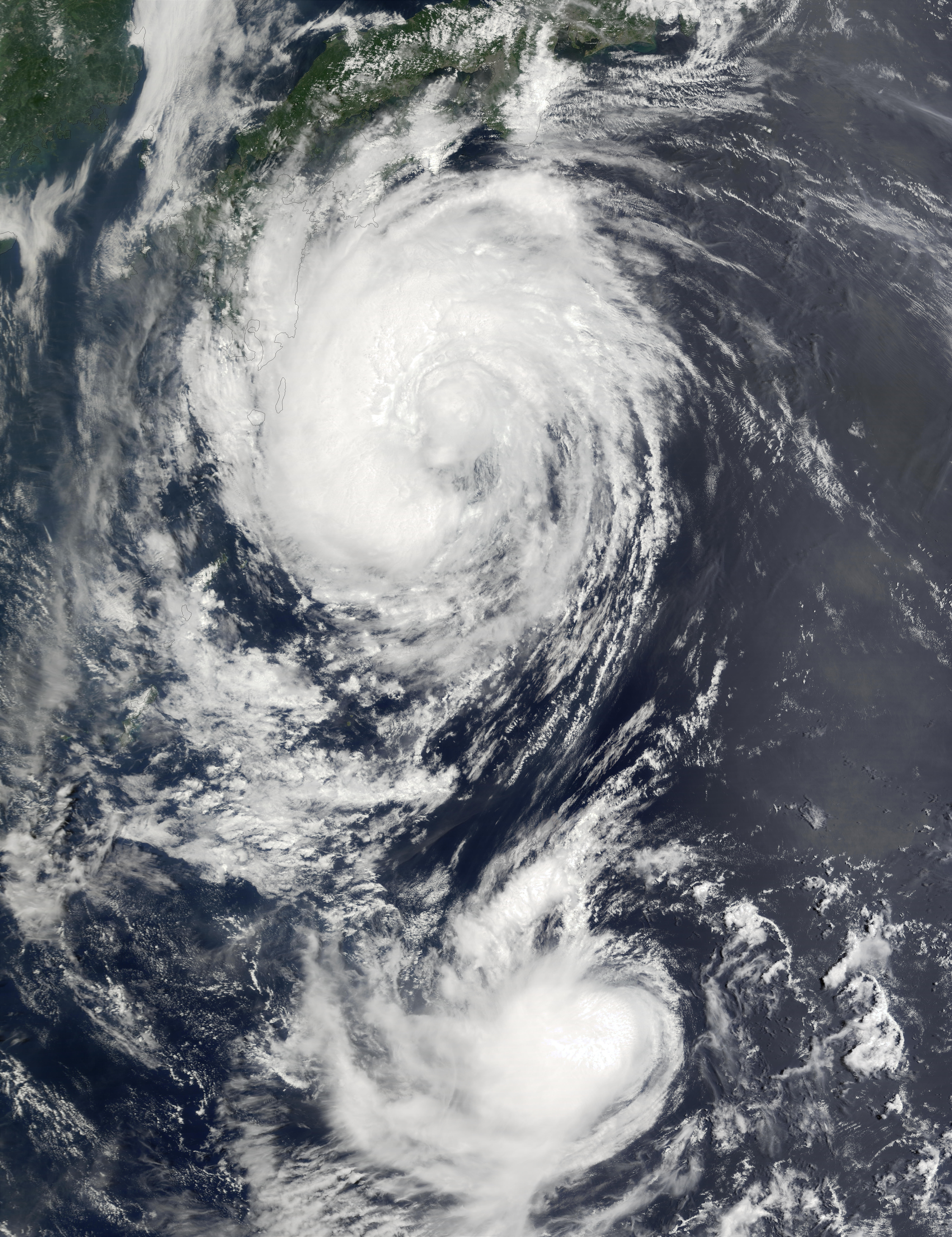 Typhoons Fengshen and Fung-Wong off Japan