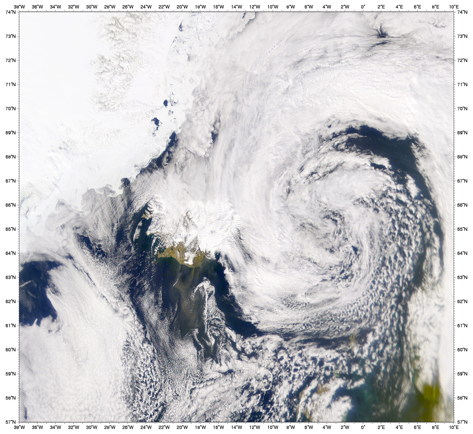 Tormenta de polvareda cerca de la costa meridional de Islandia