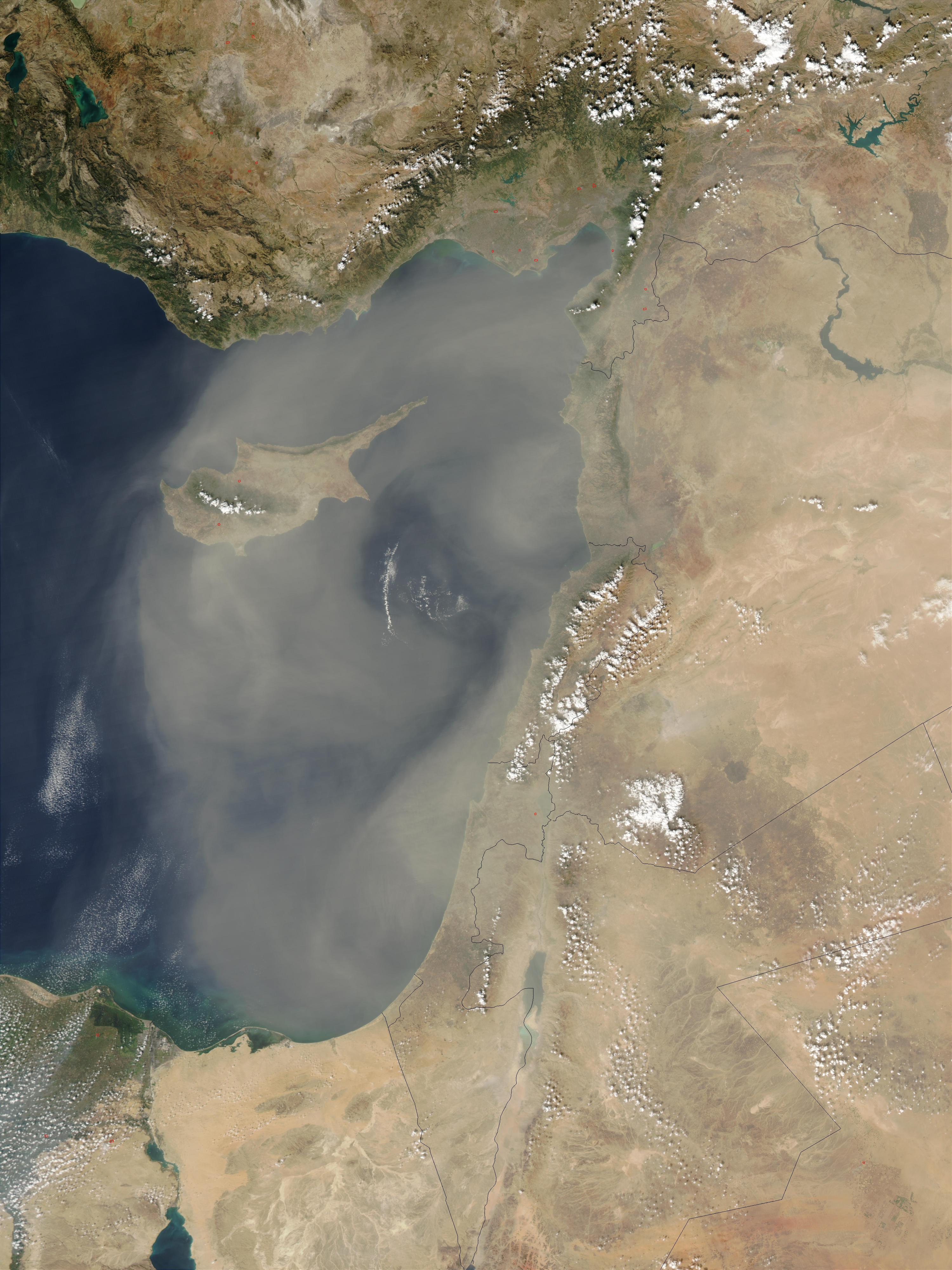 Tormenta de polvareda encima de Chipre