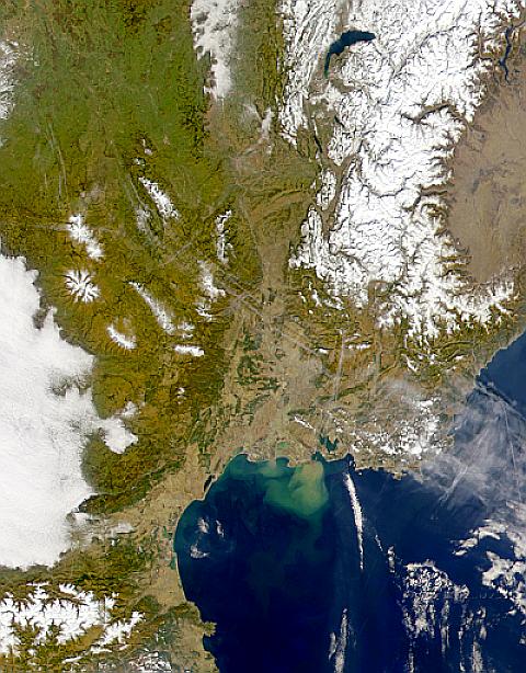 Valle del Ródano y penacho de sedimentos