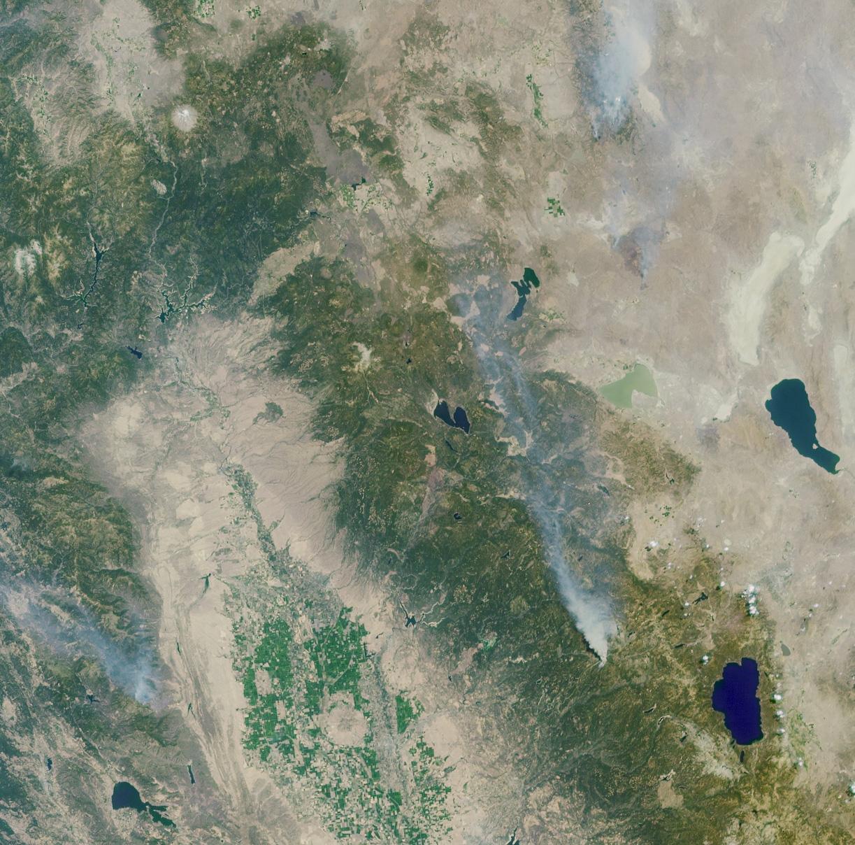 Vista Panorámica del fuego de Emigrant Gap, California