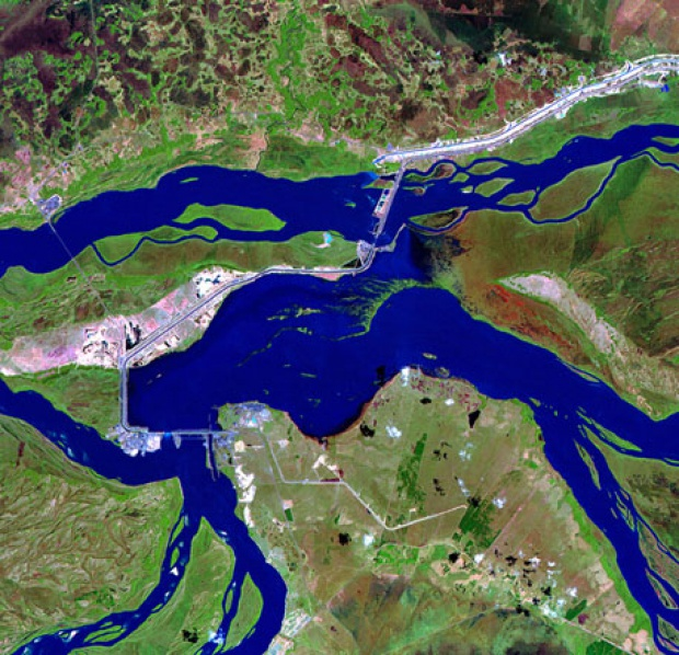 Central Hidroeléctrica de Yaciretá-Apipé (EBY), Argentina - Paraguay