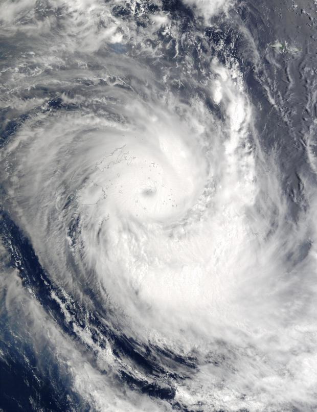 Ciclón tropical Ami (10P) encima de las Islas Fiyi, Océano Pacífico