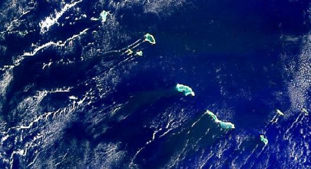 Efectos de turbulencia por la isla Kiribati