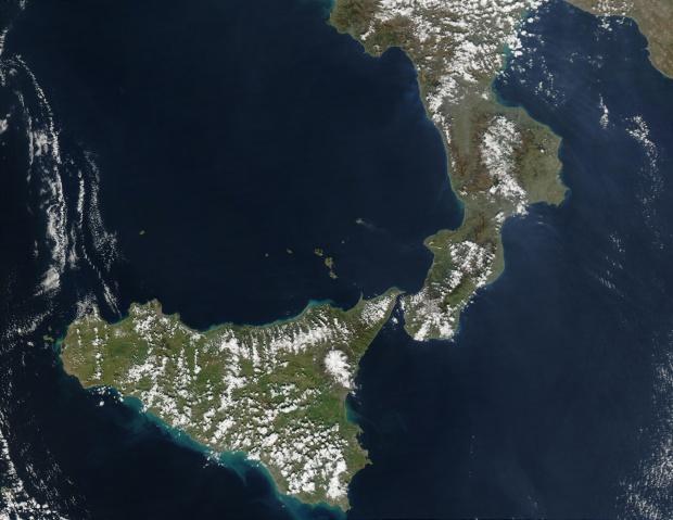 Erupción del volcán Stromboli, Italia